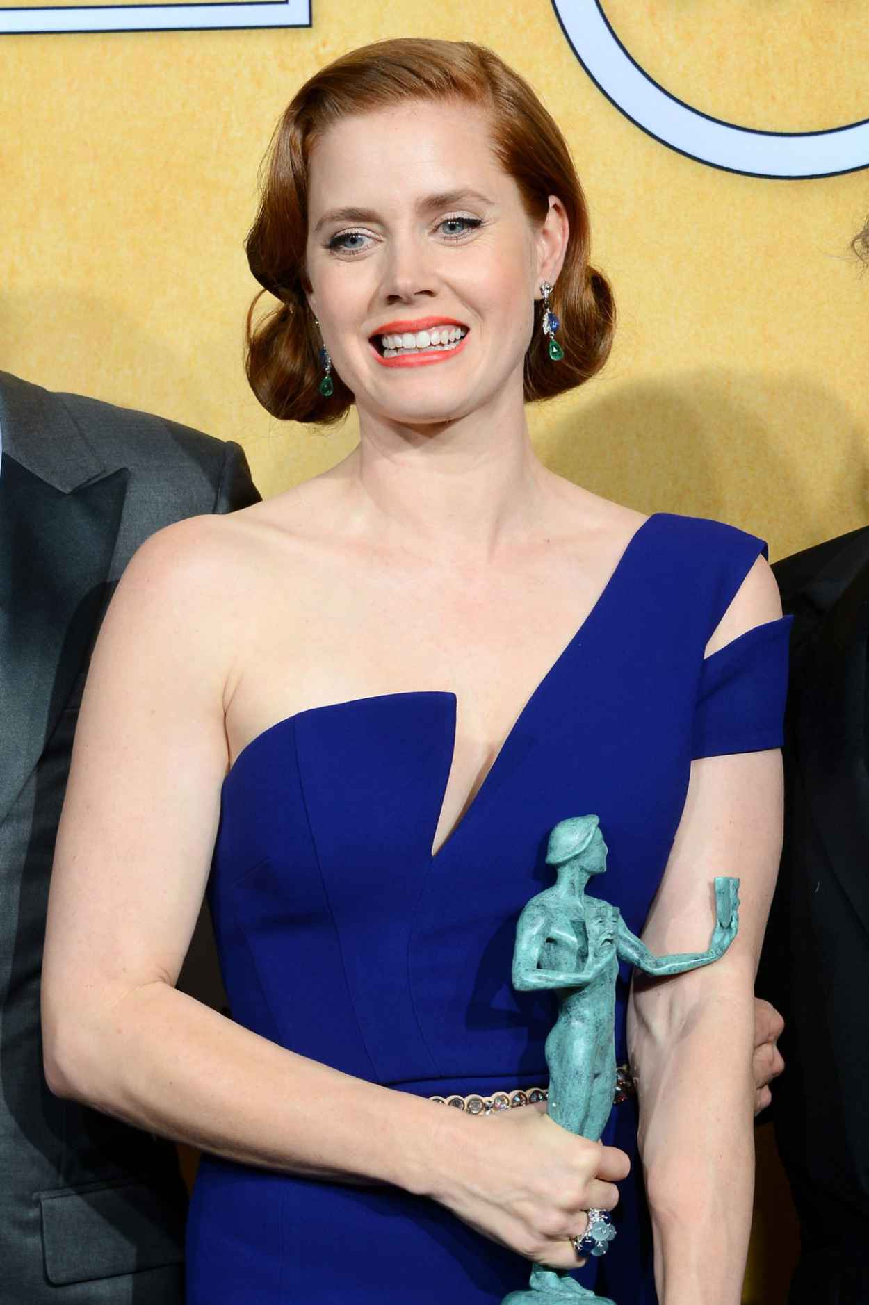 Amy Adams Wears Antonio Berardi Dress at 2015 SAG Awards-1