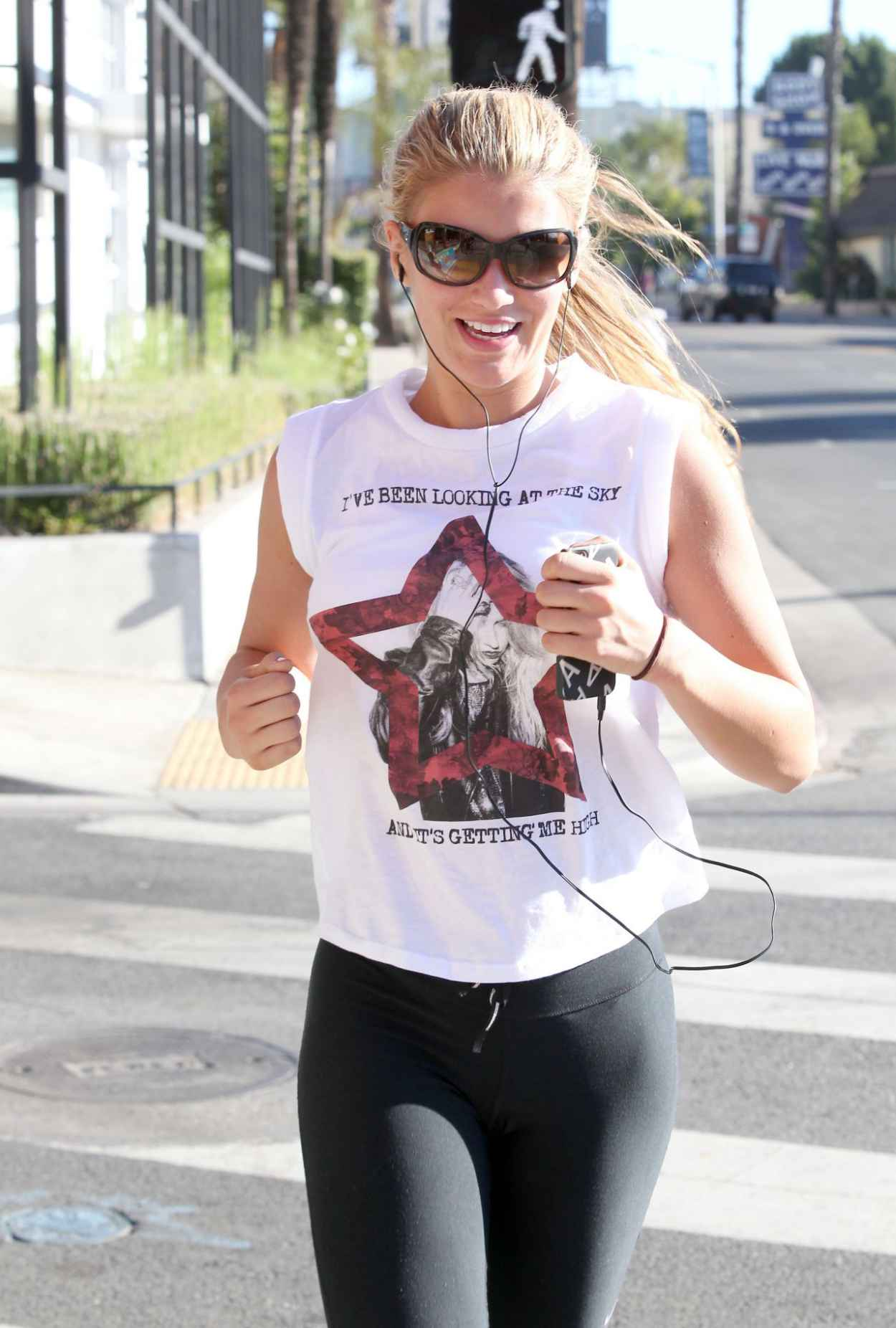Amy Willerton - Training for the London Marathon With a Jog Around Los Angeles, Jan. 2015-1