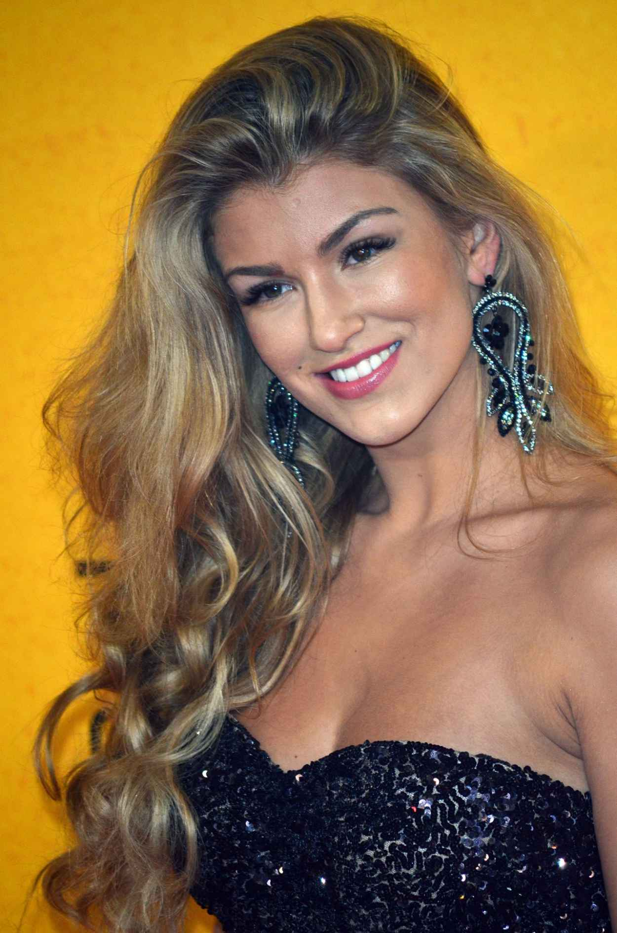 Amy Willerton - UK Premiere of THE WOLF OF WALL STREET-1