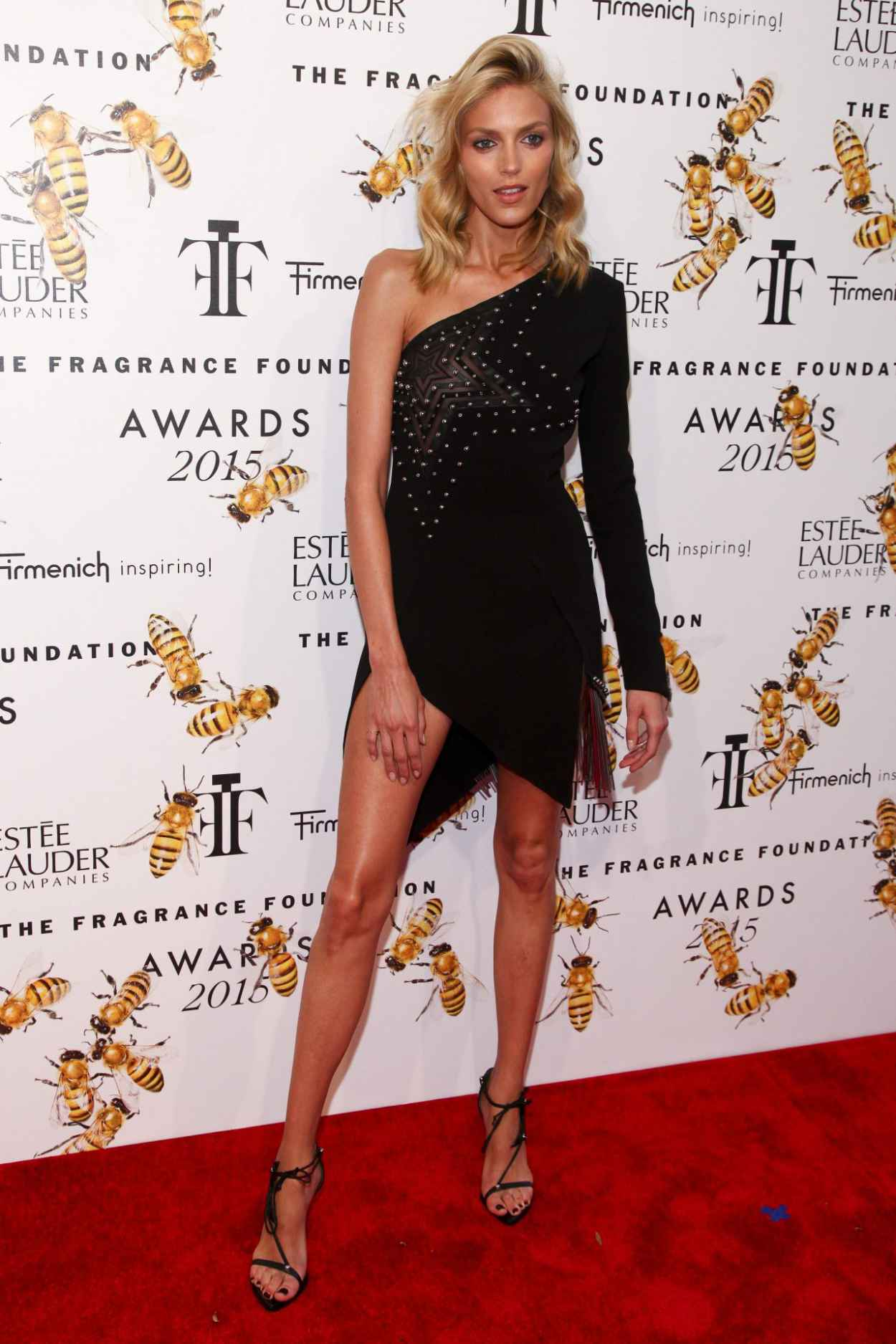 Anja Rubik - 2015 Fragrance Foundation Awards at Alice Tully Hall-2