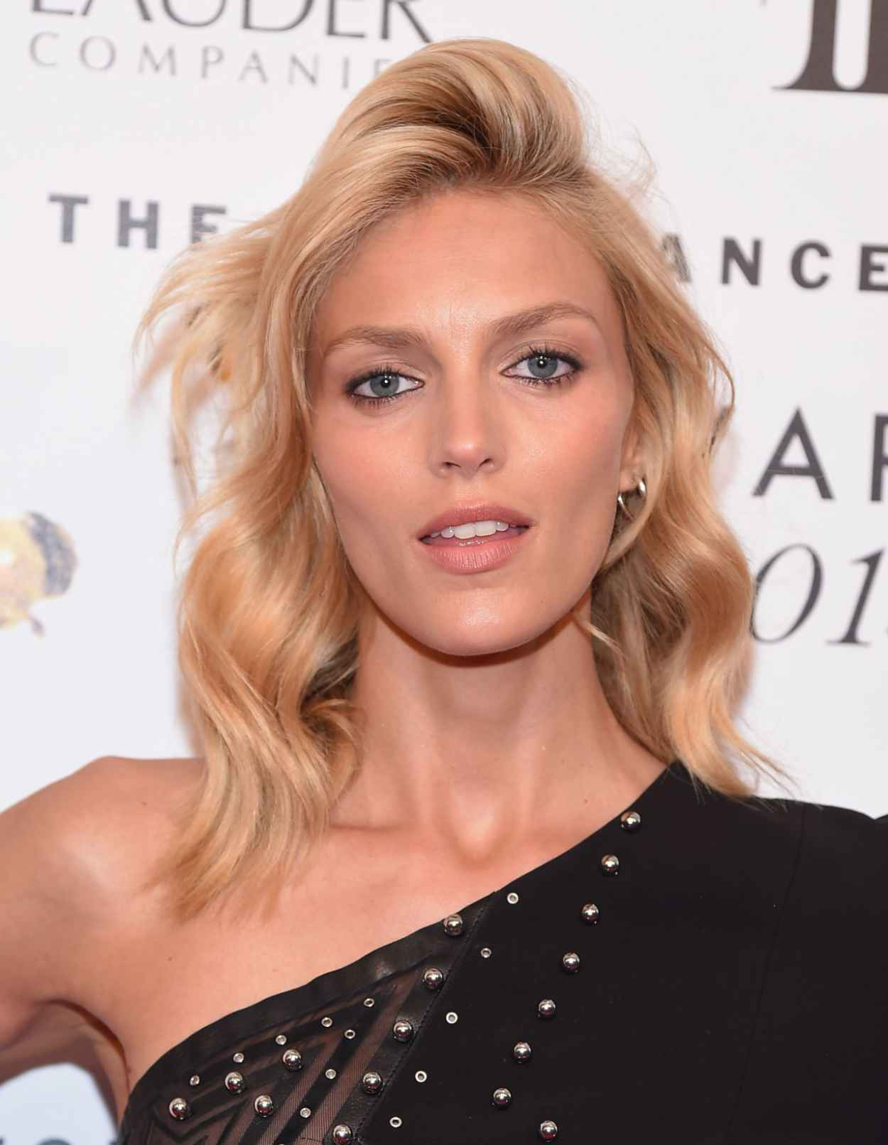 Anja Rubik - 2015 Fragrance Foundation Awards in NYC-2