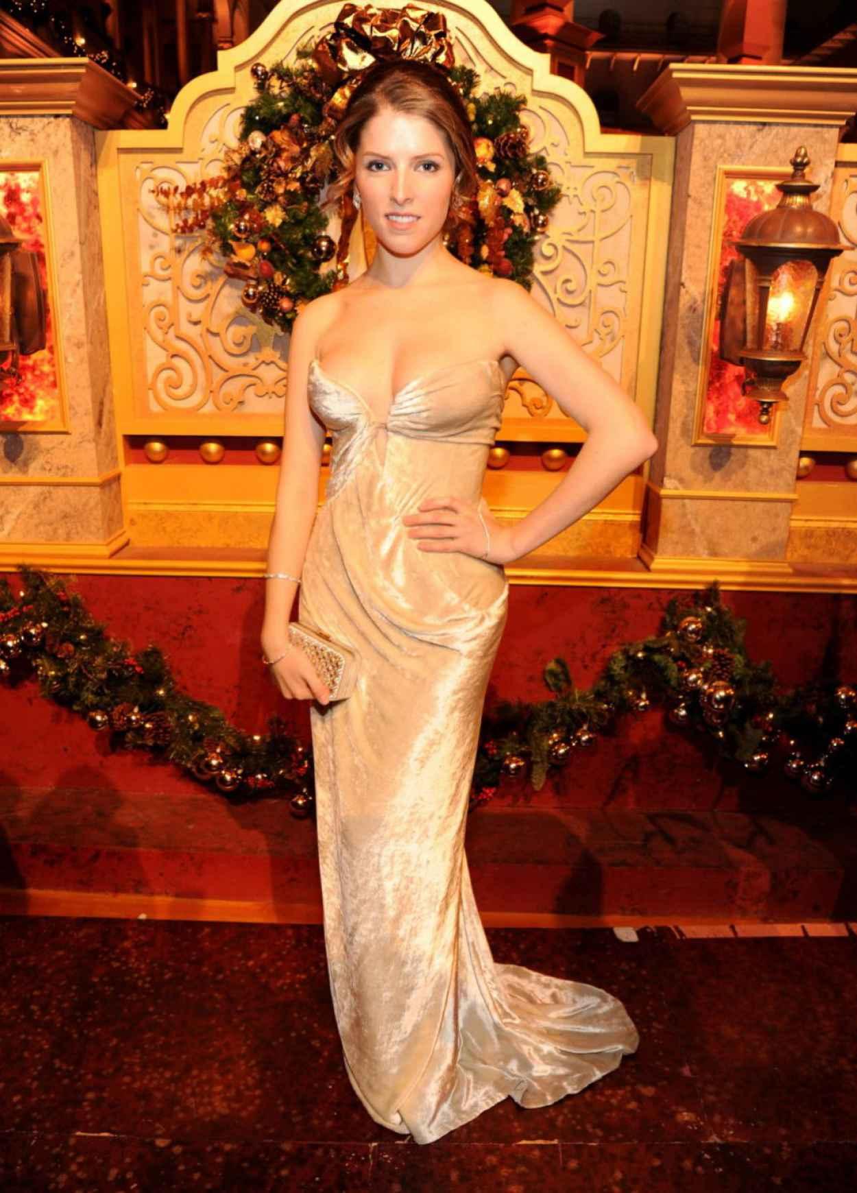 Anna Kendrick Attends TNT Christmas In Washington - December 2015-1