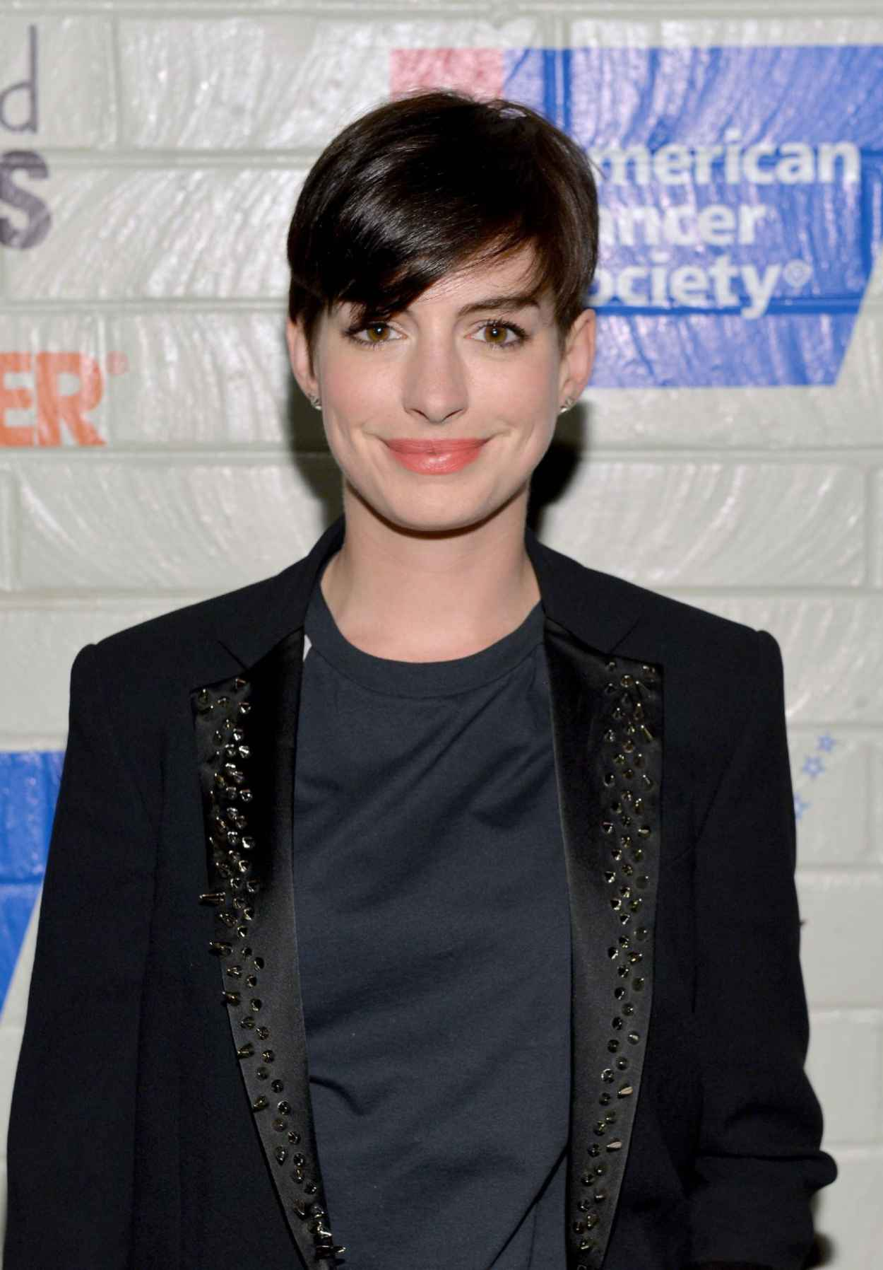 Anne Hathaway - 2015 Hollywood Stands Up to Cancer Event-1