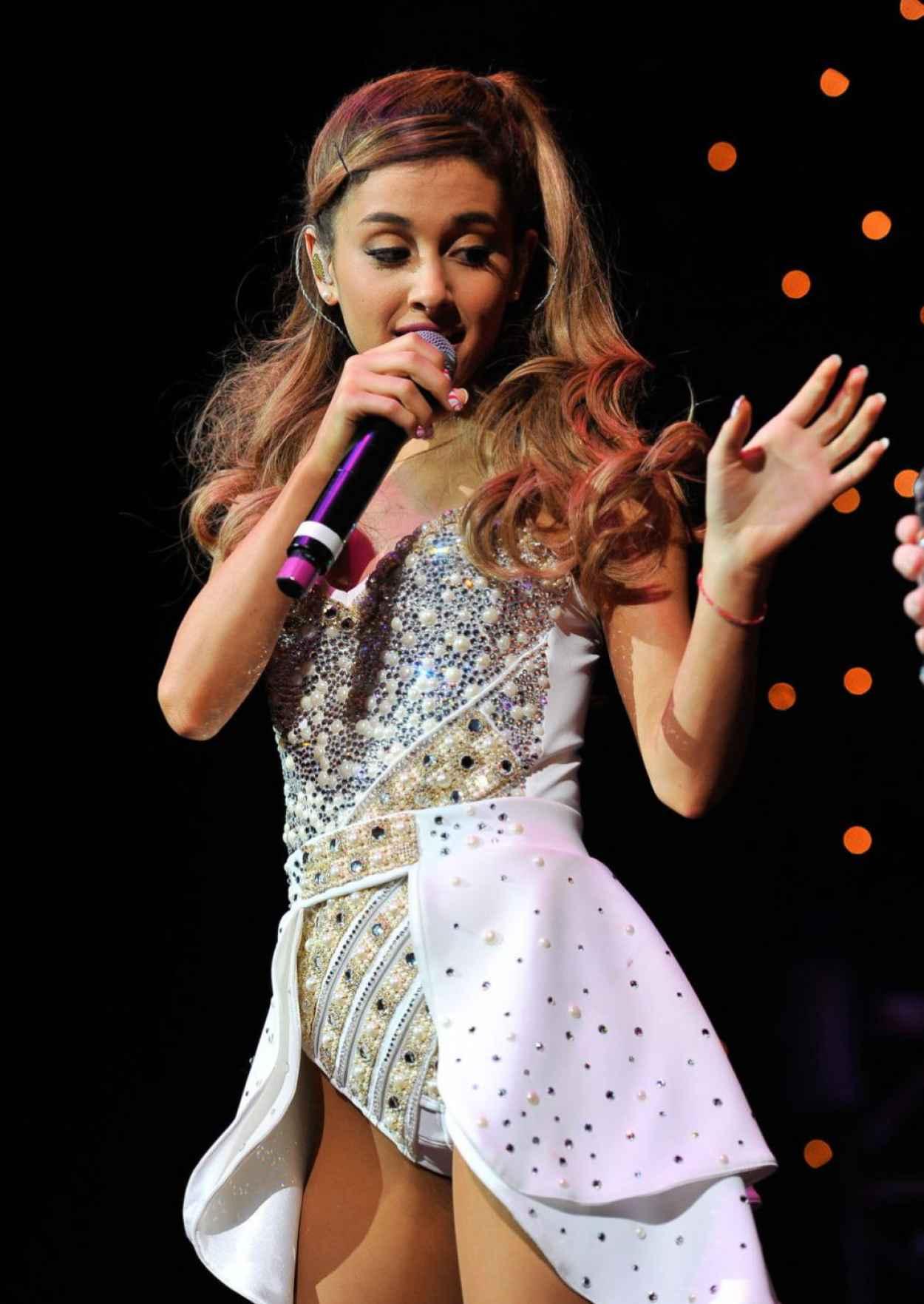 Ariana Grande Performing at Wild Jam in San Jose - December 2015-1
