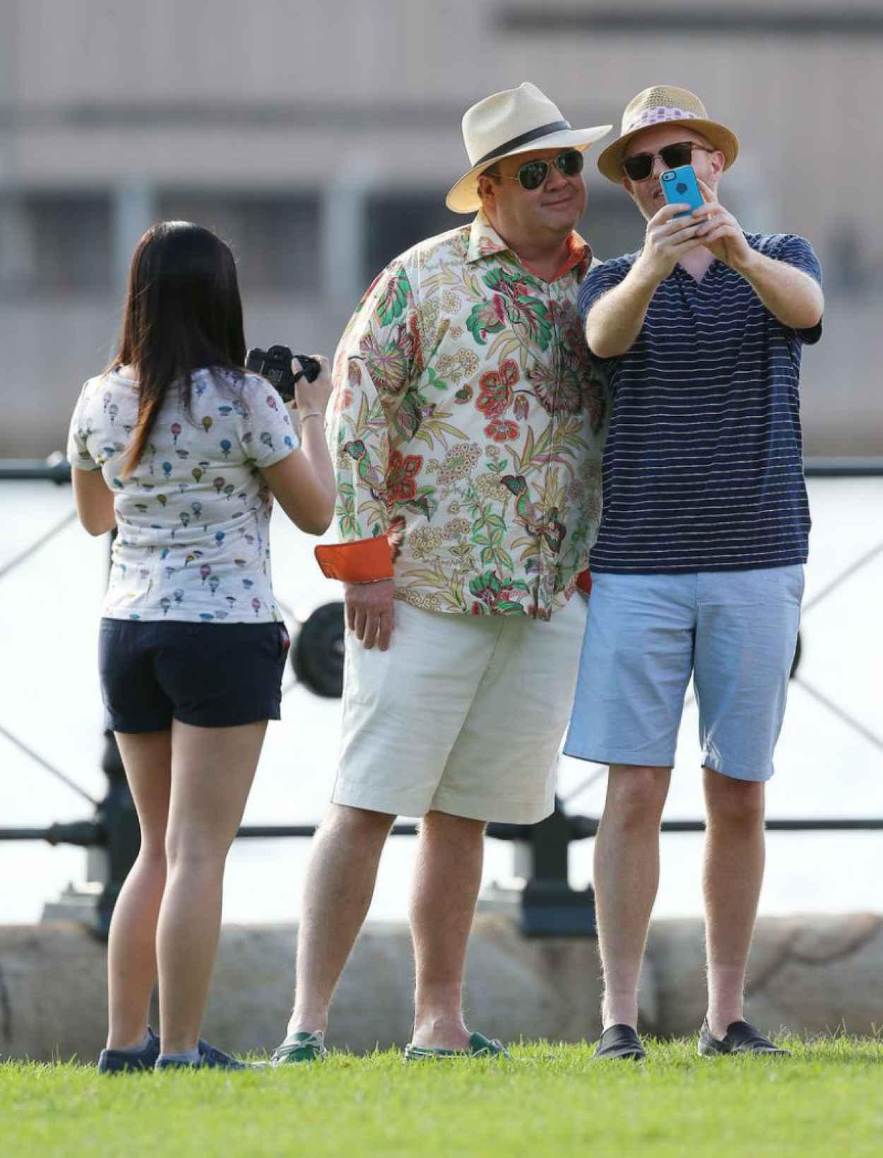 Ariel Winter in Shorts - Filming Modern Family in Sydney-1