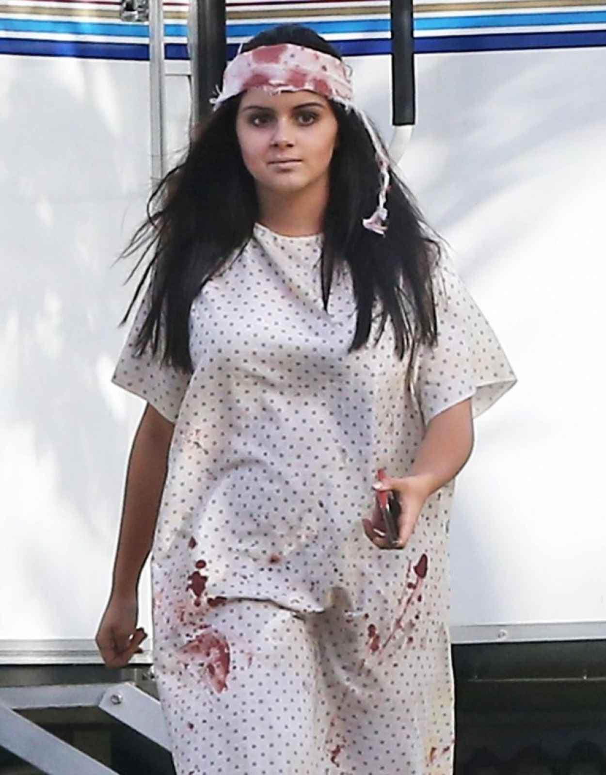 Ariel Winter - Modern Family Halloween Episode Set Photos - Sept. 2015-1