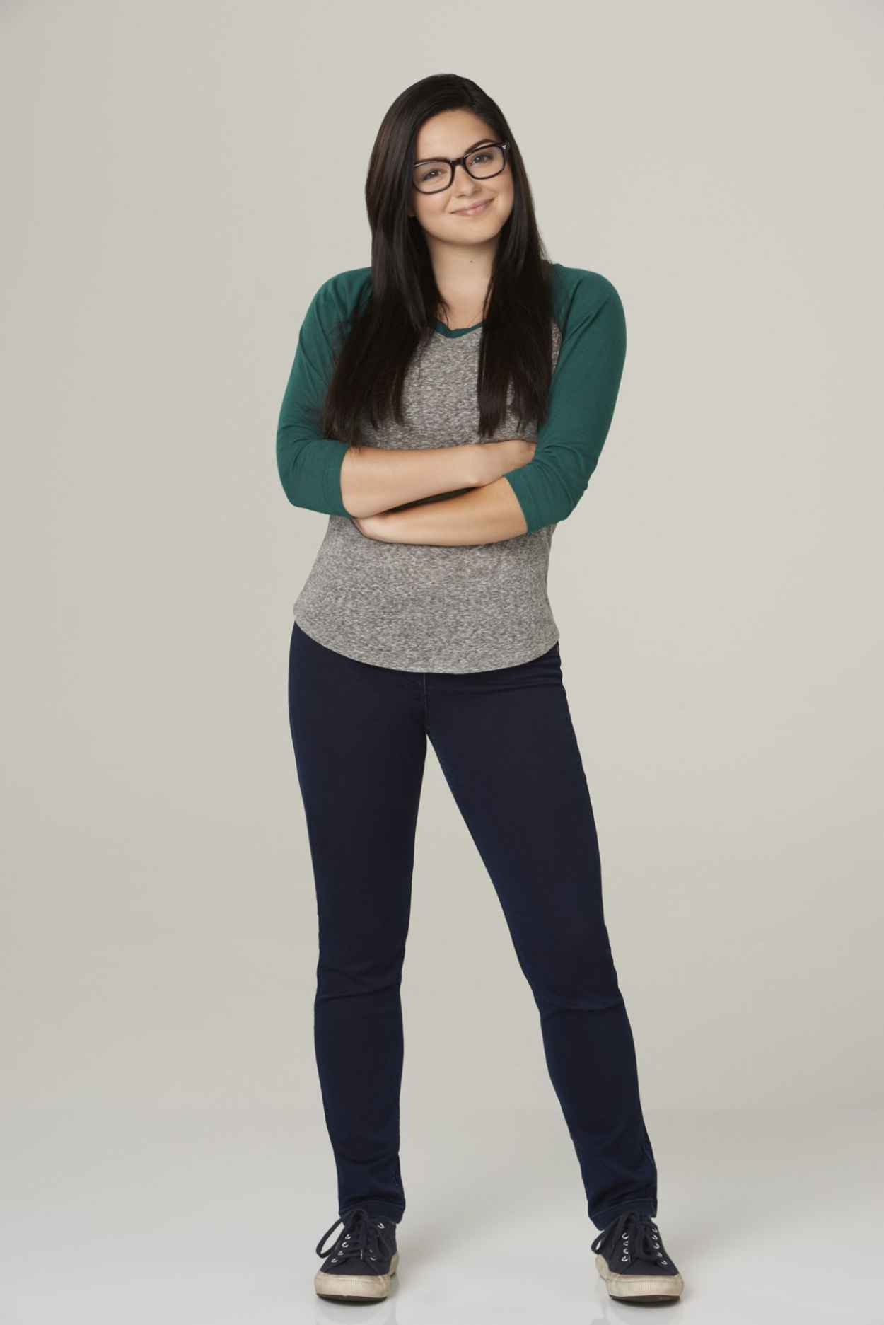 Ariel Winter - Modern Family Season 6 Promo Shots-1