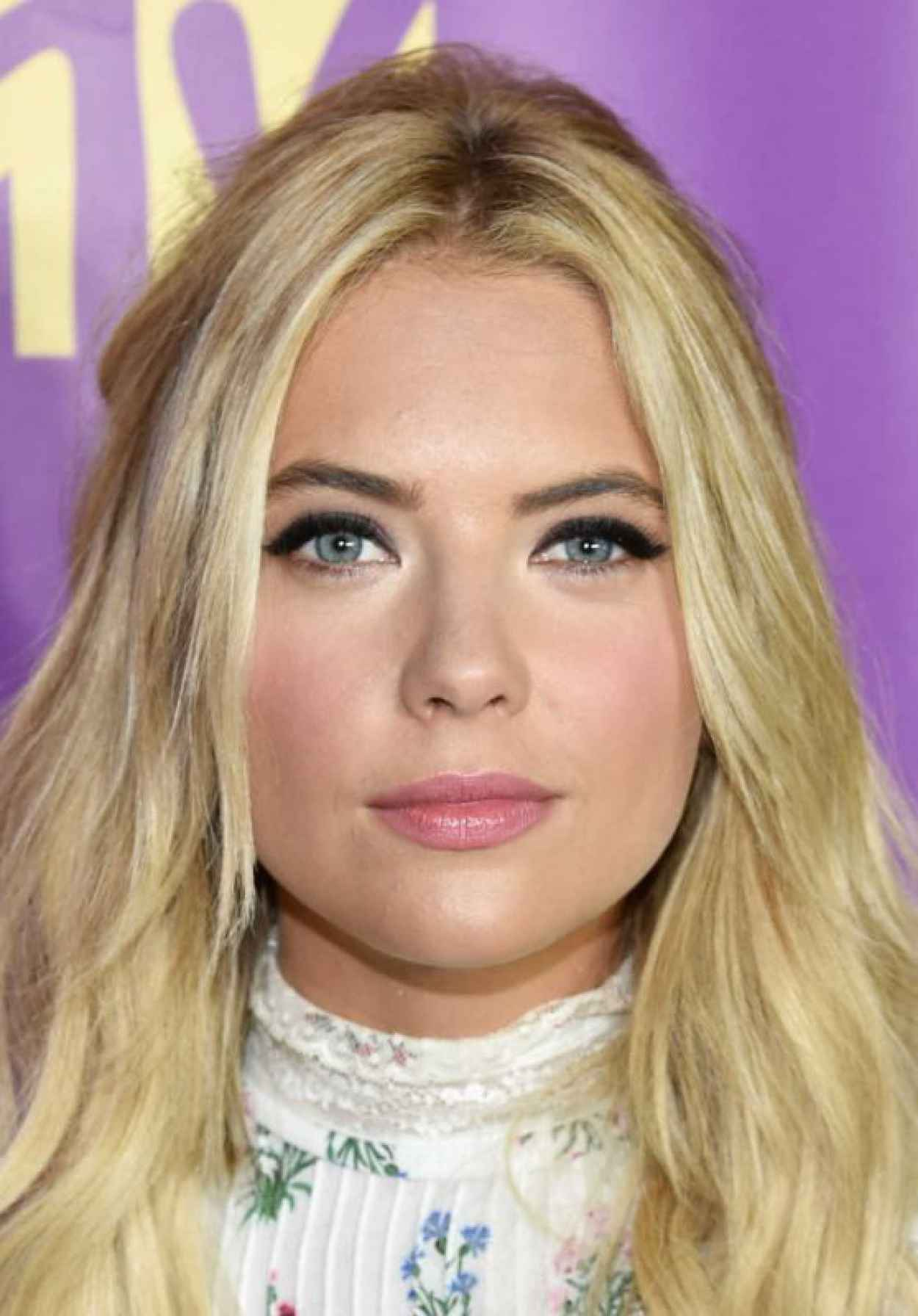Ashley Benson - 2015 MTV Fandom Awards in San Diego-1