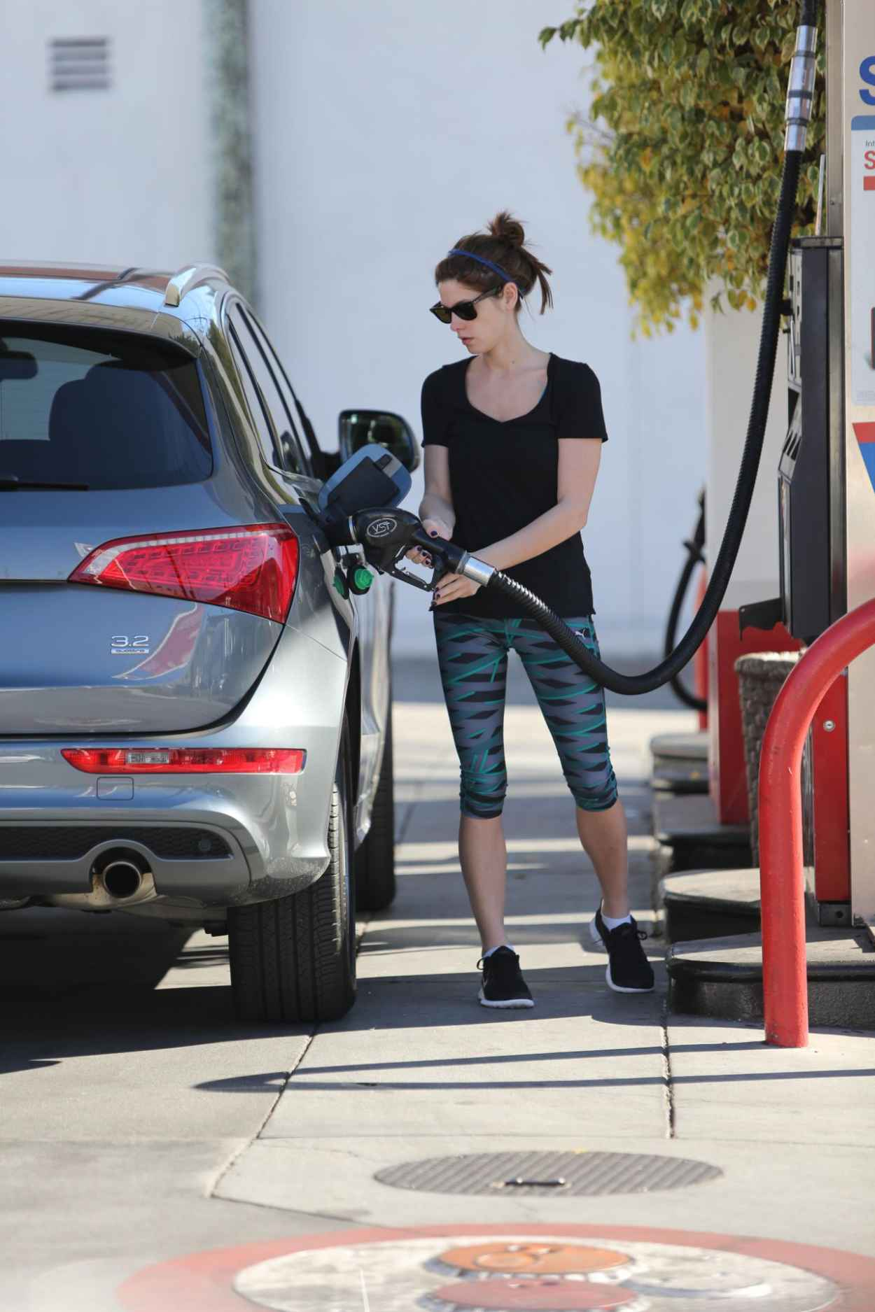 Ashley Greene Seen Pumping Gas in Beverly Hills, January 2015-5