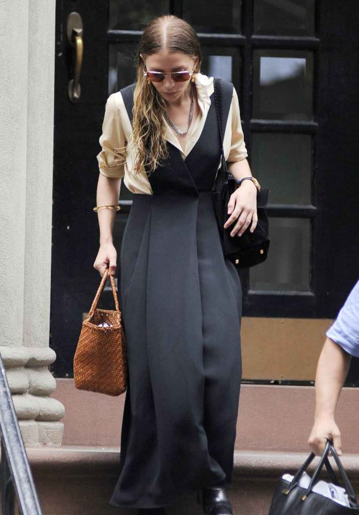 Ashley Olsen Style - Leaving Her House in NYC, July 2015-1