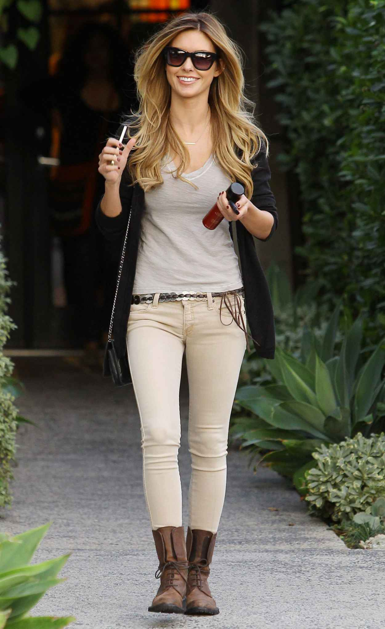 Audrina Patridge Street Style - Leaving Andy LeCompte Salon in Los Angeles-1