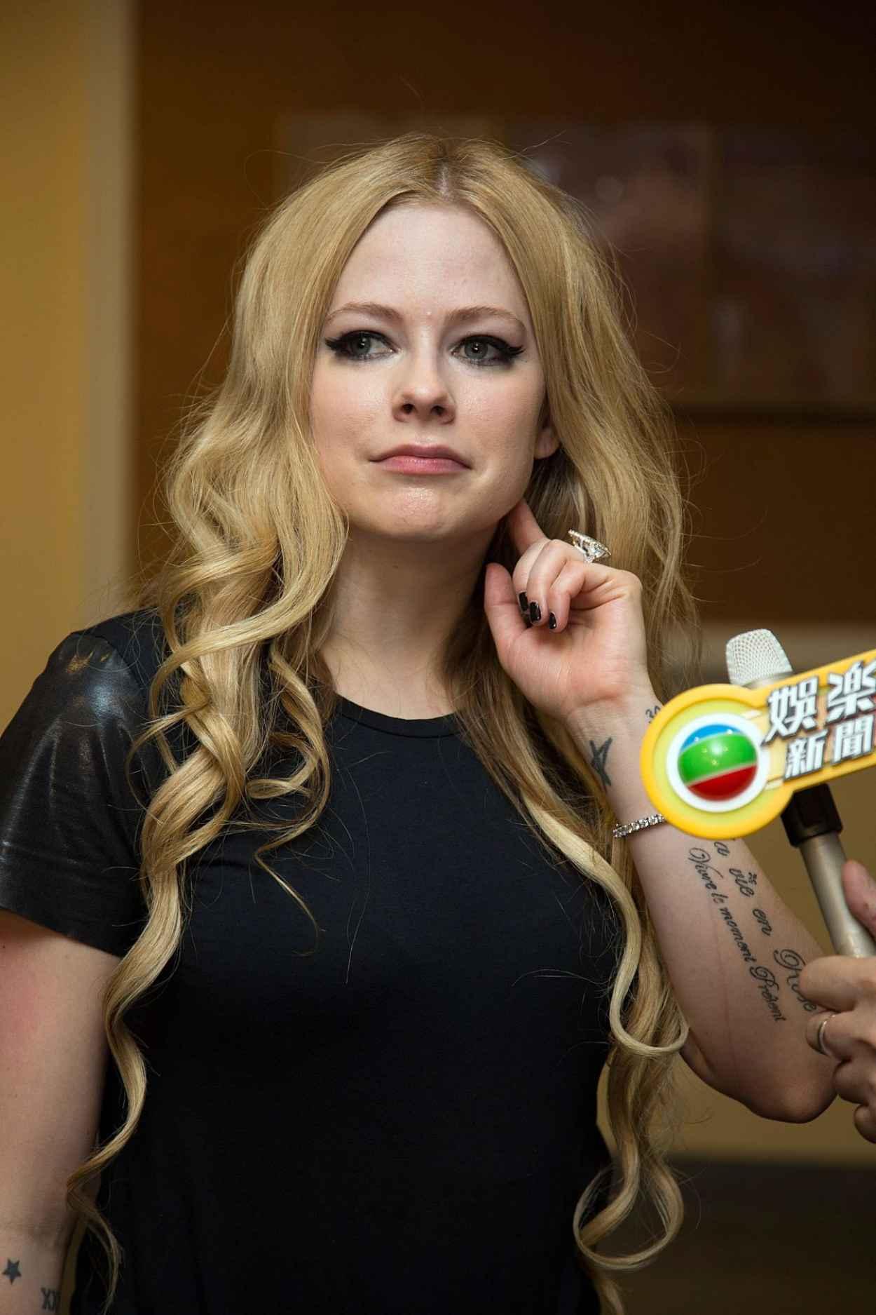 Avril Lavigne - Huading Awards Ceremony at The Venetian in Macau-1