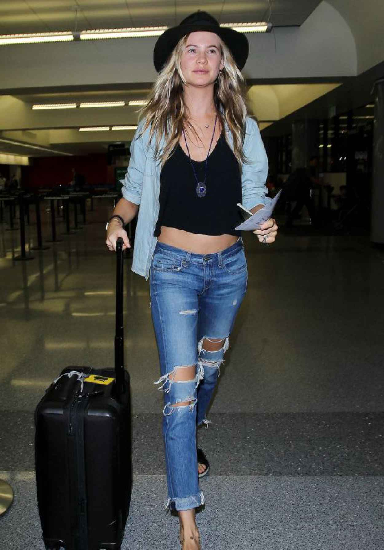 Behati Prinsloo - LAX Airport in Los Angeles, October 2015-1