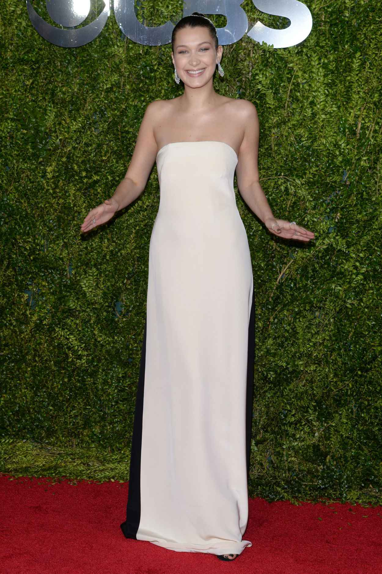 Bella Hadid - 2015 Tony Awards in New York City-5