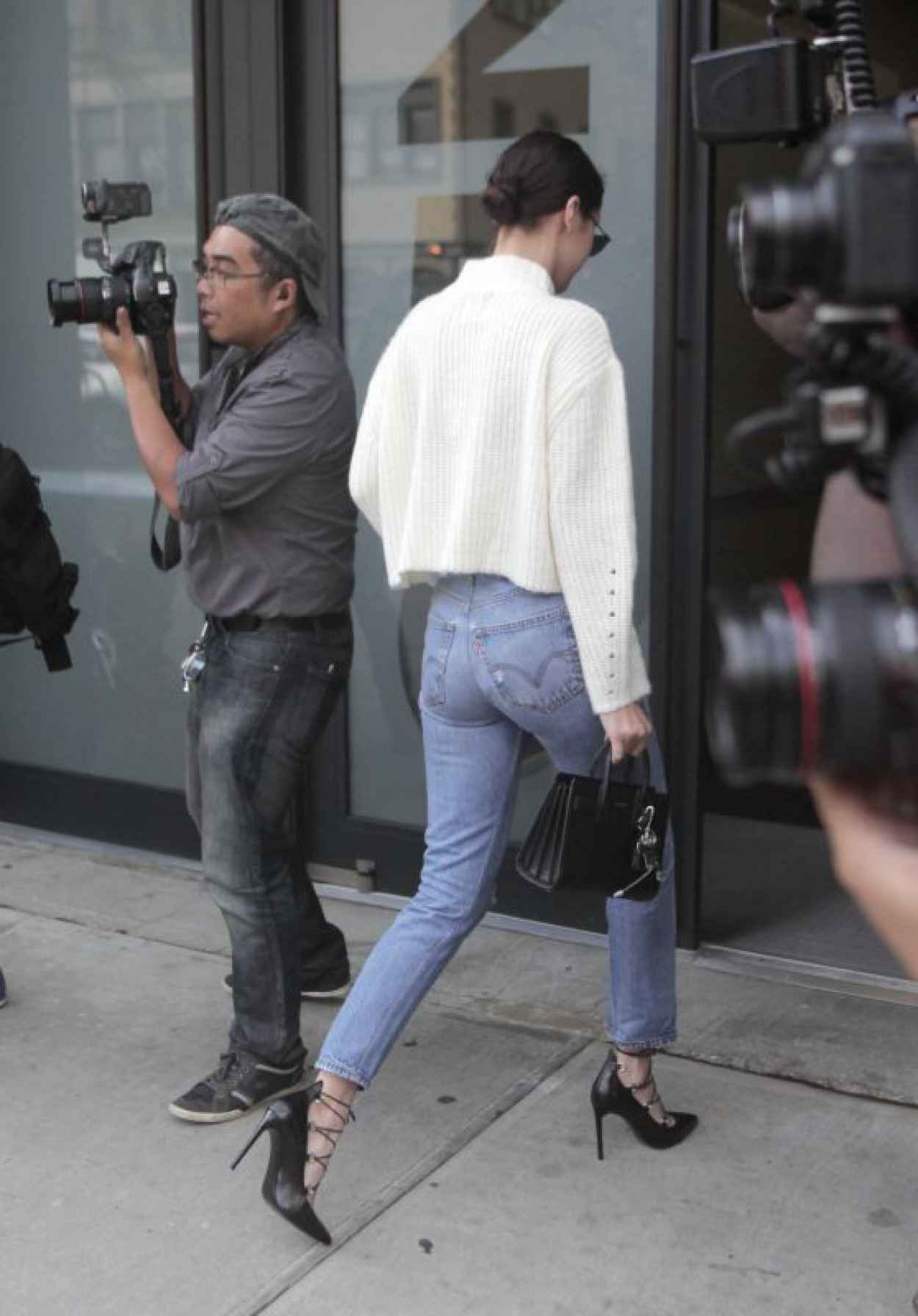 Bella Hadid in Levis Jeans - Out in NYC, October 2015-1