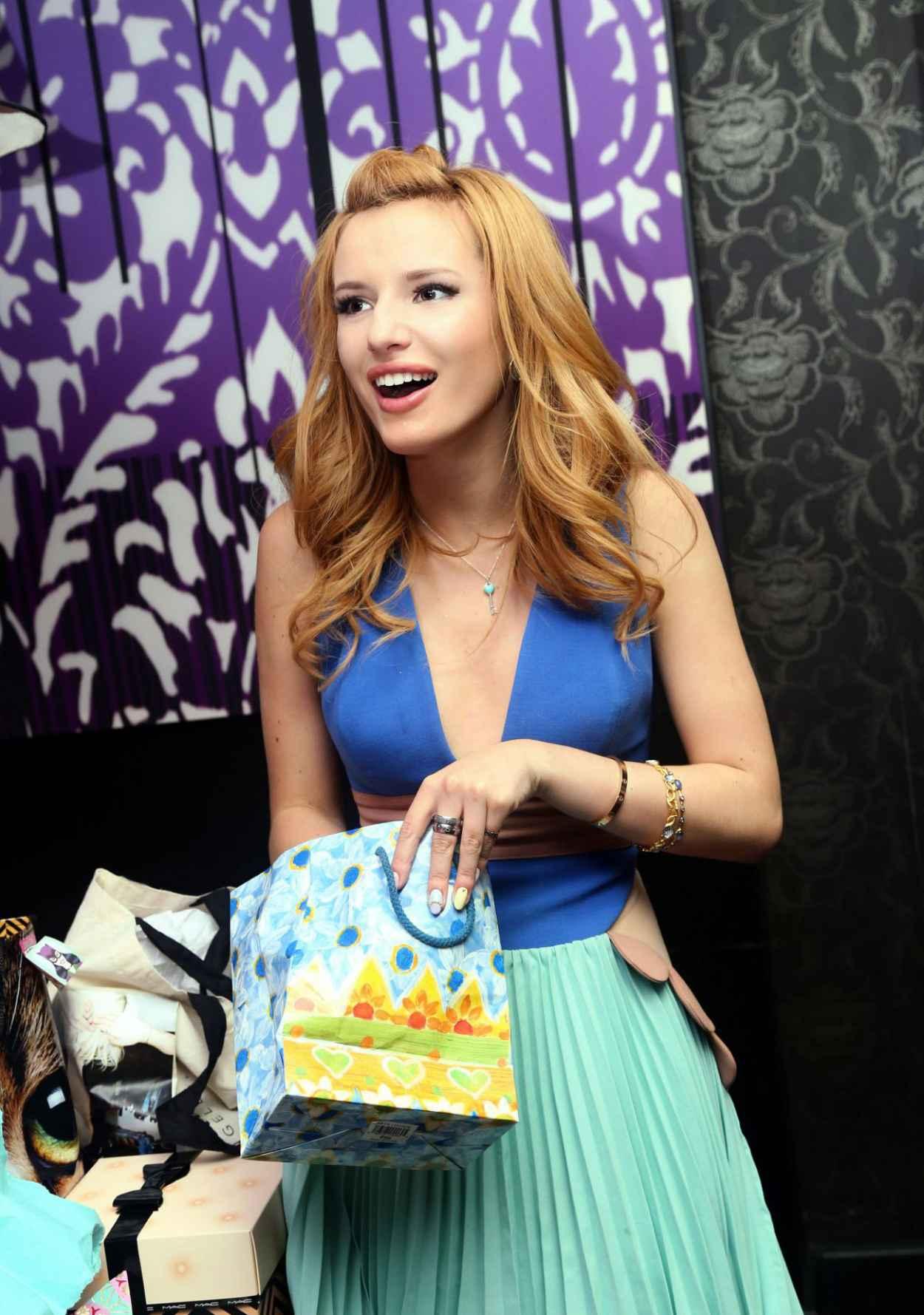 Bella Thorne Celebrates Her 16th Birthday at STK Restaurant in Los Angeles-1