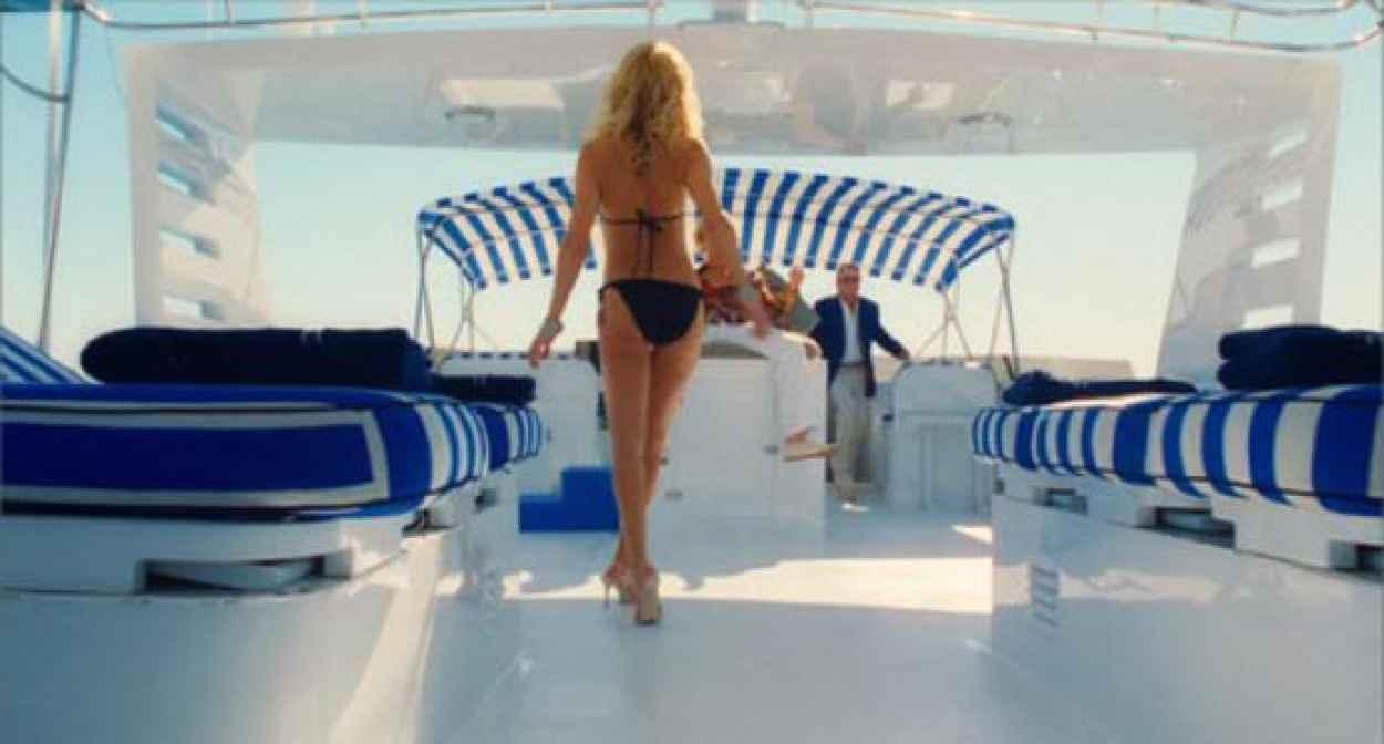 Kate Hudson in a Bikini - Animated Gif-1