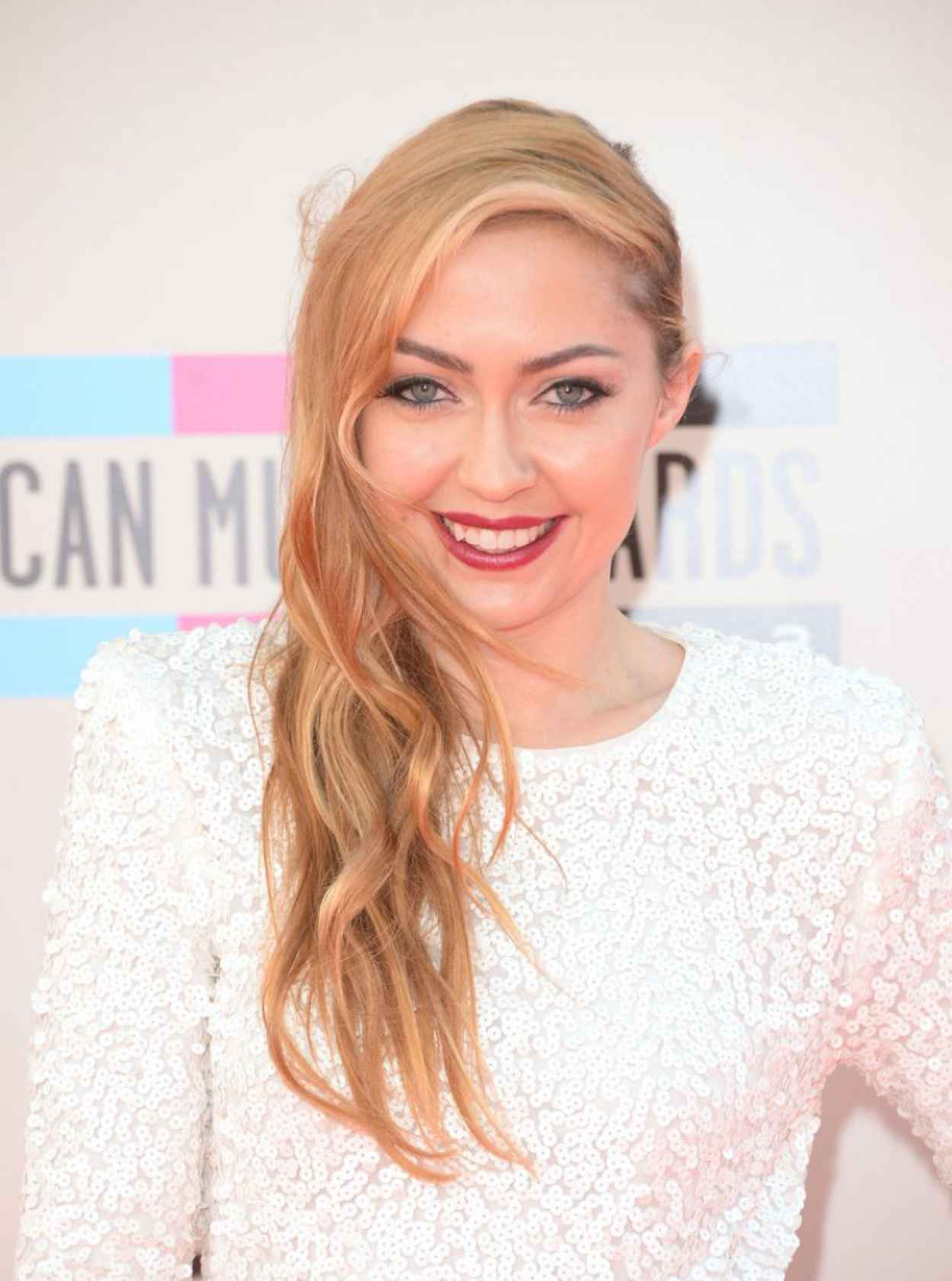 Brandi Cyrus - 2015 American Music Awards-1