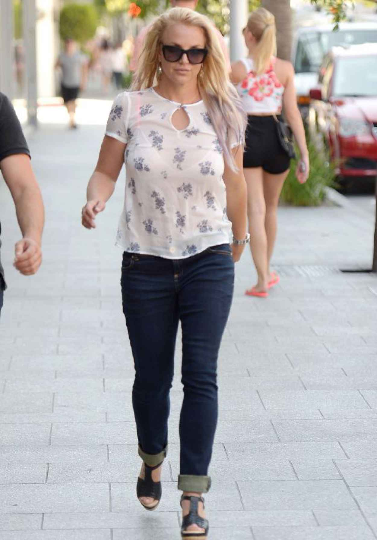 Britney Spears Casual Style - Shopping in Beverly Hills, July 2015-1