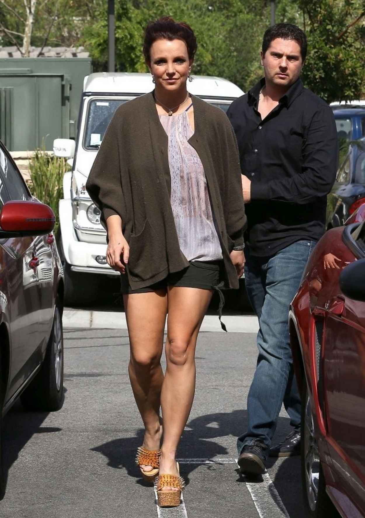 Britney Spears Displays Der Muscular Legs in Shorts - Out for Lunch in Agoura Hills - February 2015-1
