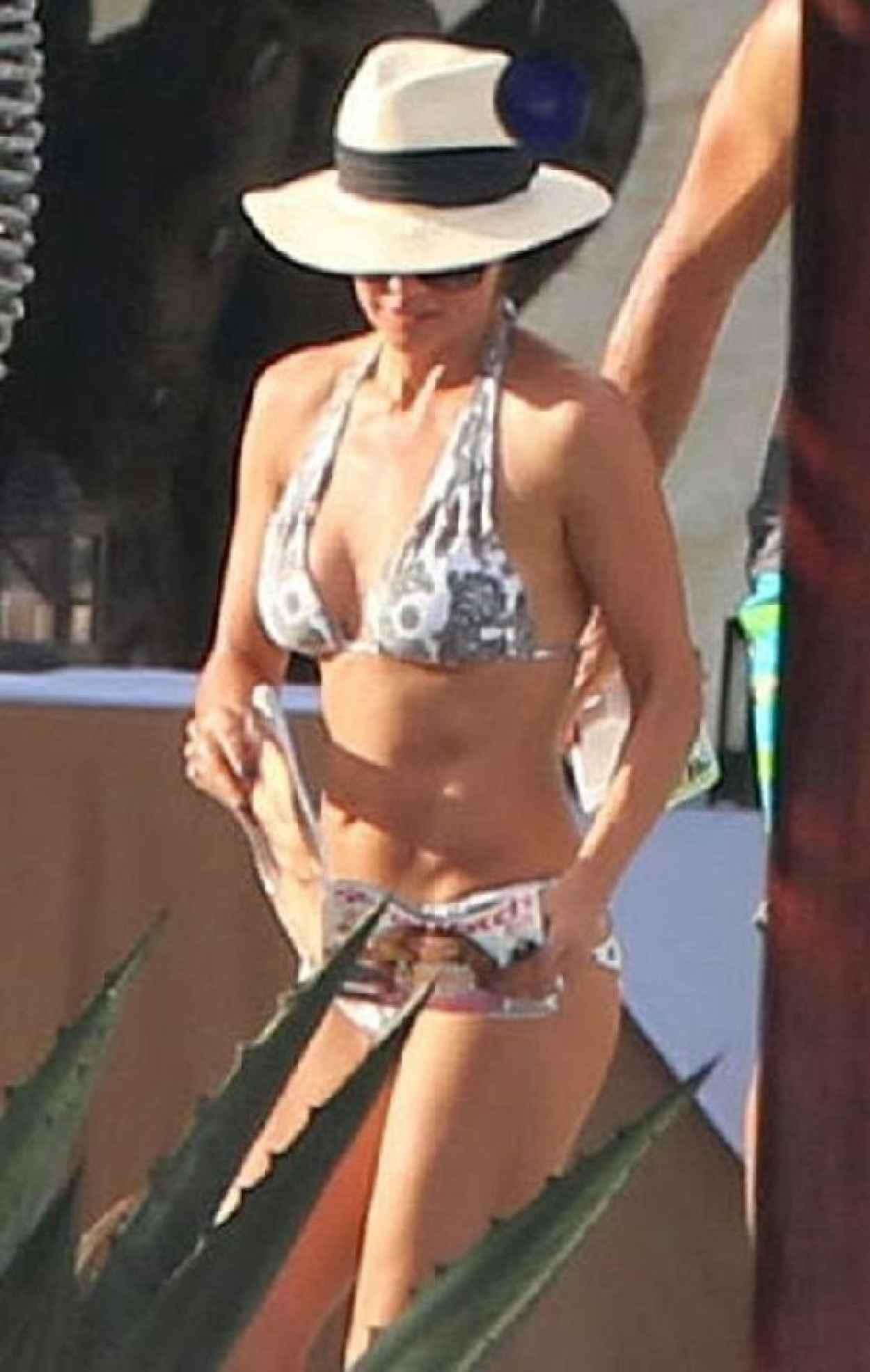 Brooke Burke in a Bikini in Mexico-2