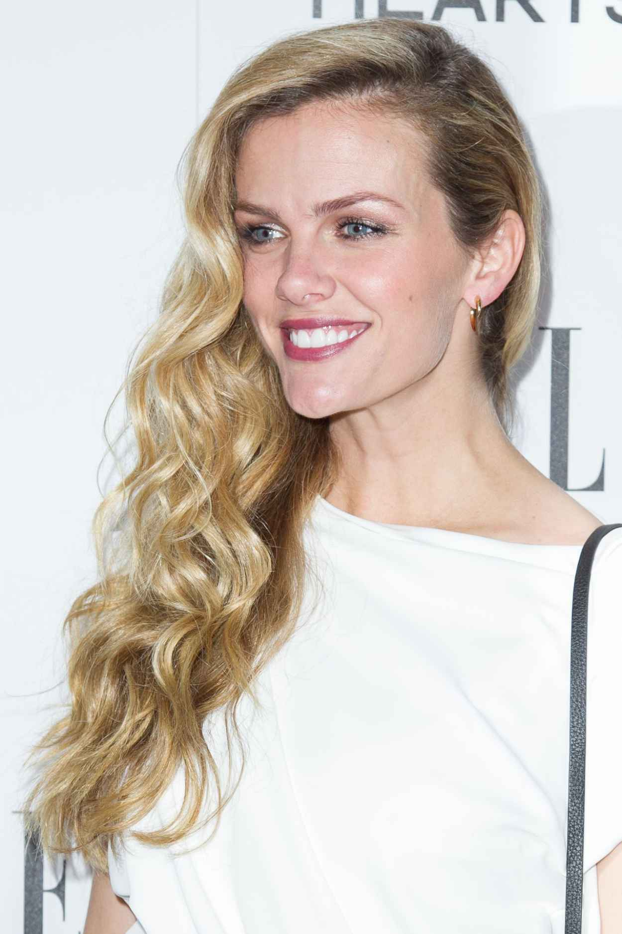 Brooklyn Decker – EL... Brooklyn Decker