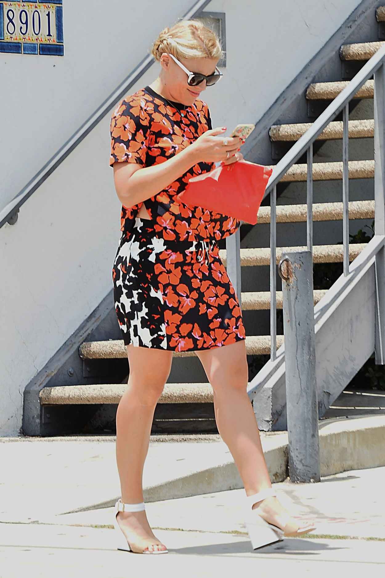 Busy Phillipps - Leaving Gracias Madre in Los Angeles, June 2015-2