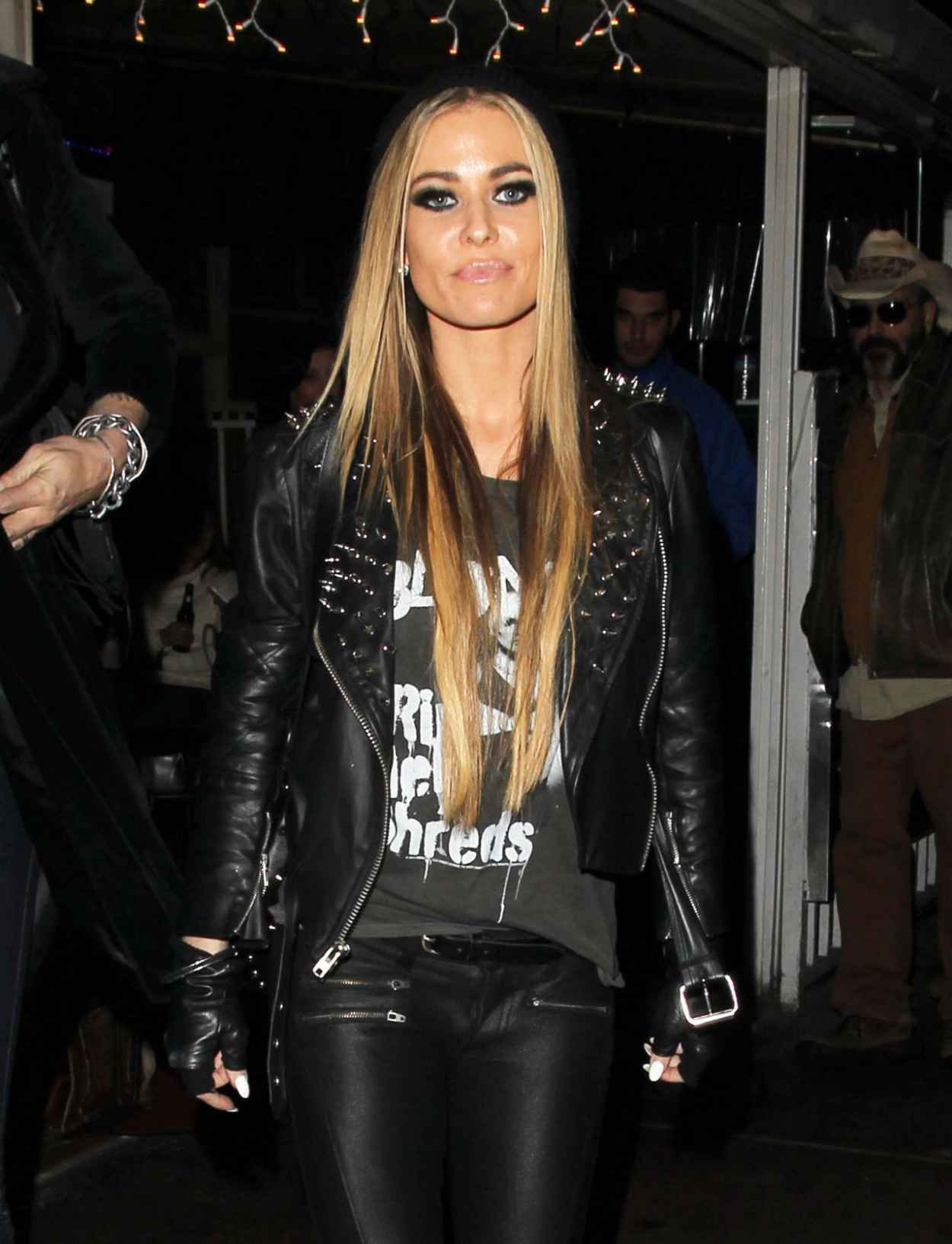 Carmen Electra Night Out Style - Leaving the Rainbow Room in Los Angeles, Dec. 2015-1
