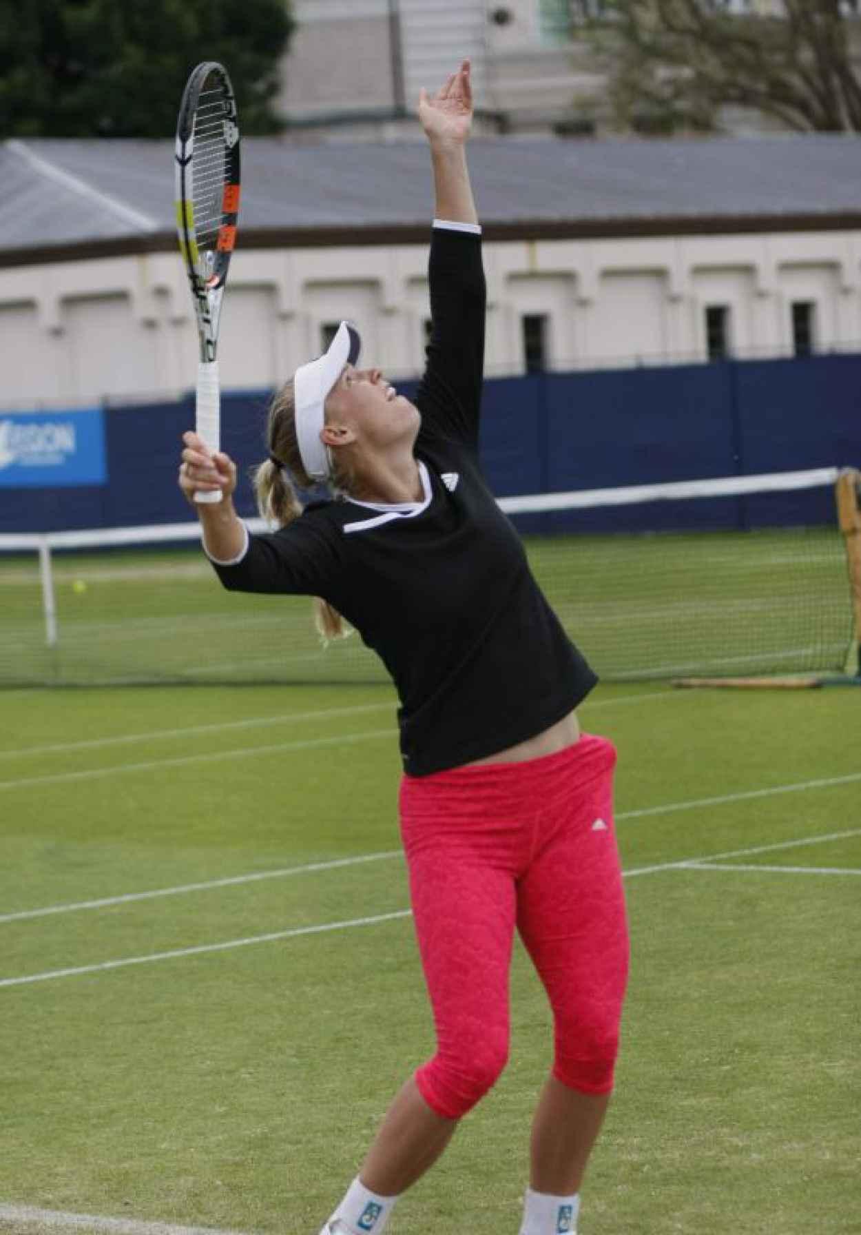 Caroline Wozniacki - Training at the AEGON International in Eastbourne, June 2015-1