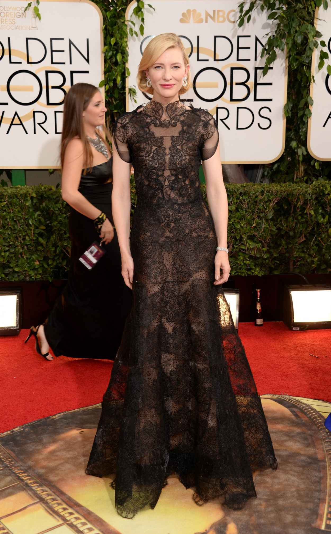 Cate Blanchett Wears Armani Prive at 71st Annual Golden Globe Awards Red Carpet-1