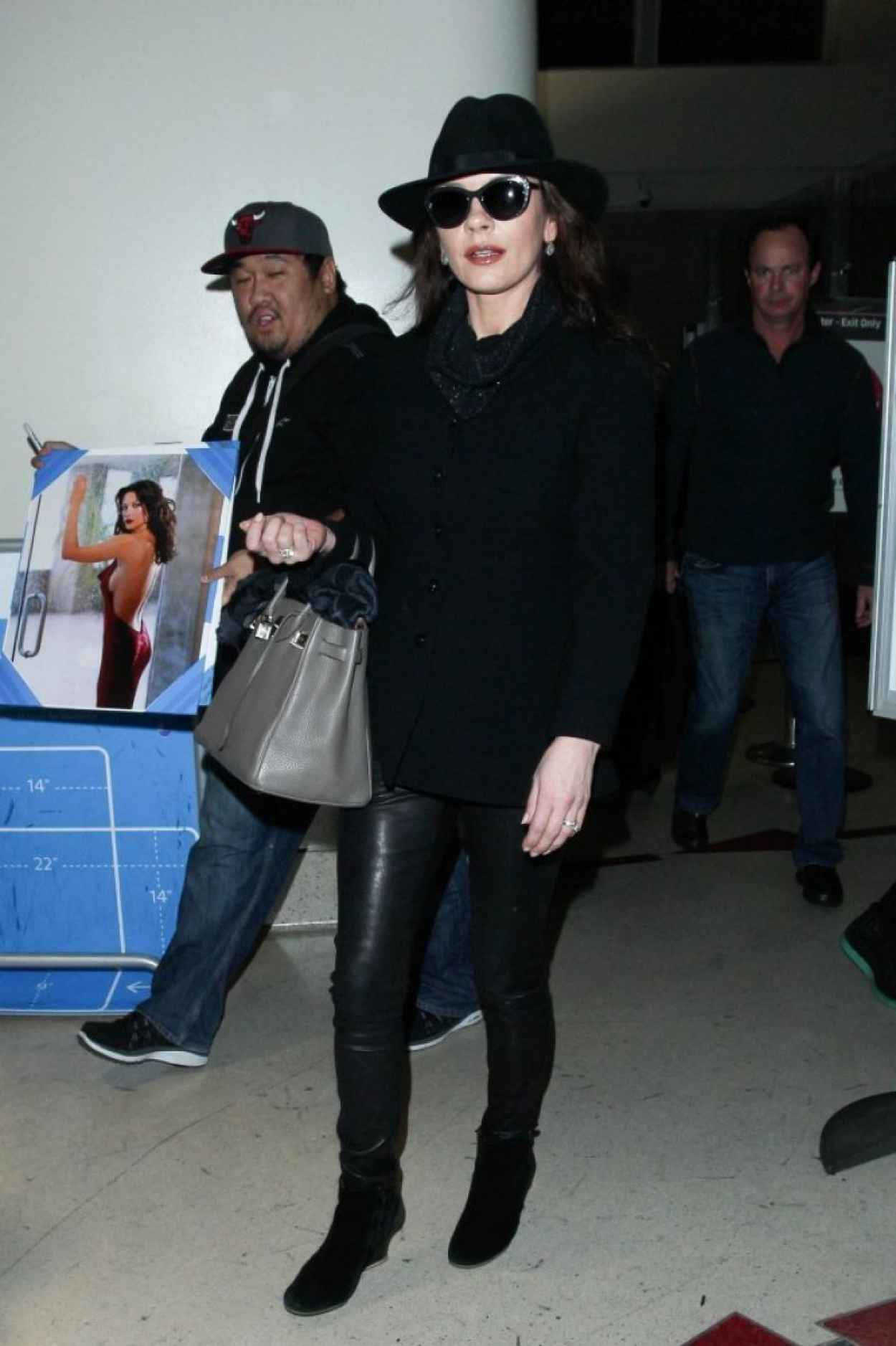 Catherine Zeta Jones - at LAX Airport, January 2015-1