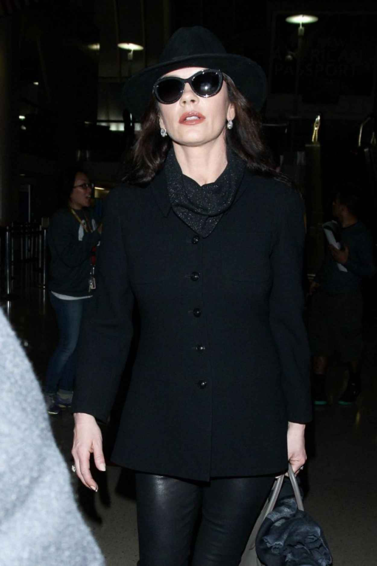 Catherine Zeta Jones - at LAX Airport, January 2015-2