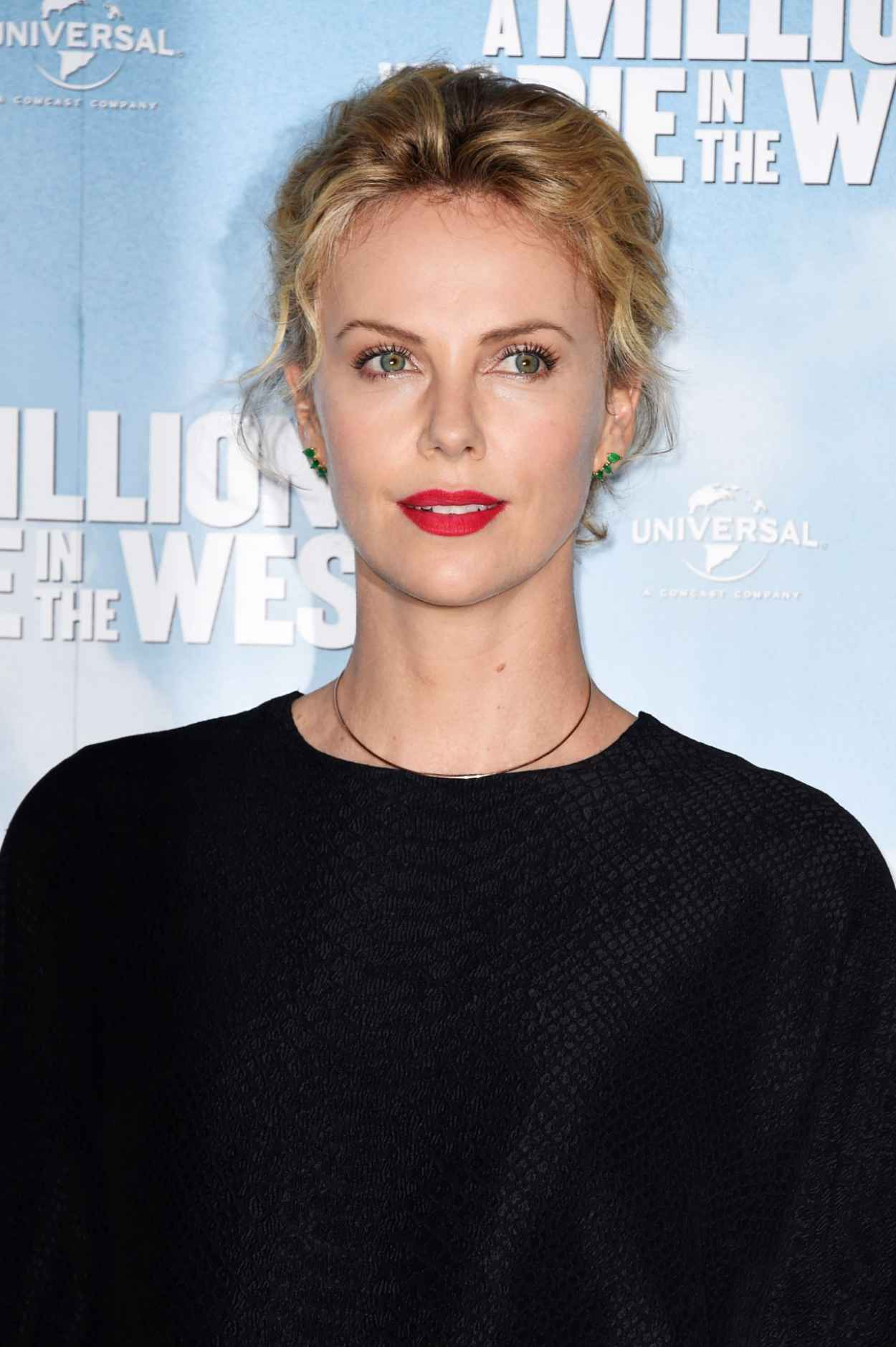 Charlize Theron - -A Million Ways To Die In The West- photocall in London - May 2015-1