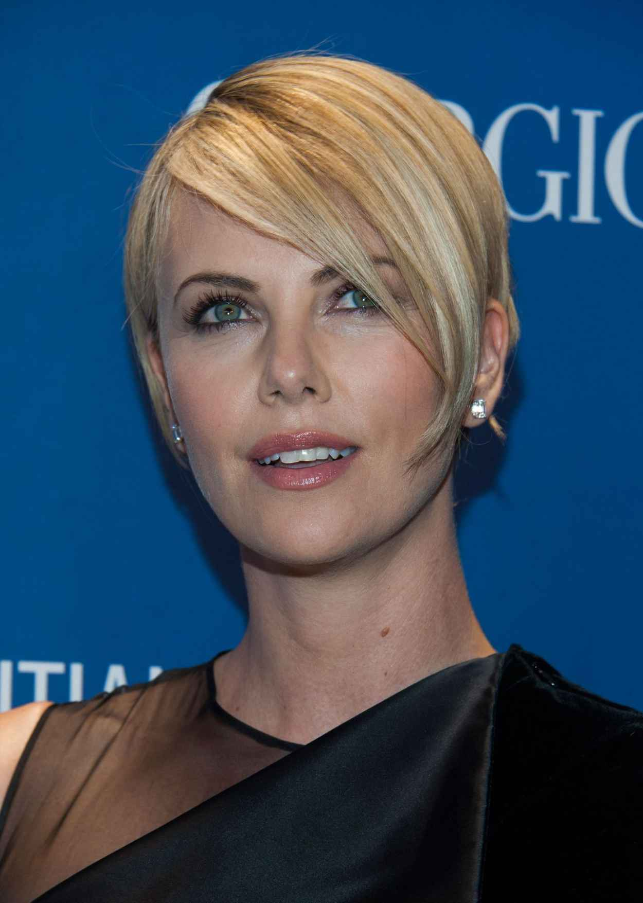 Charlize Theron Wearing Givenchy Dress at Sean Penn & Friends Help Haiti Home Gala, January 2015-1