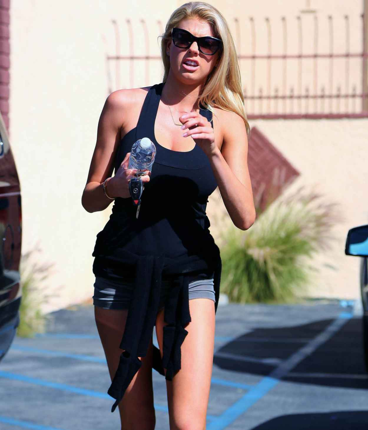 Charlotte McKinney - Arrives to Dance Rehearsal for Dancing with the Stars in Los Angeles, March 2015-1