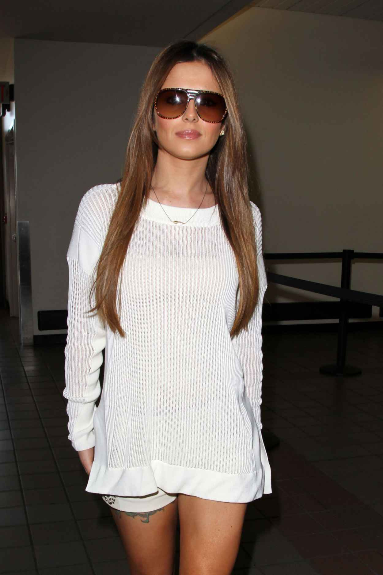 Cheryl Cole Street Style - in White Knit Alexander Wang Sweaterat at LAX Airport-1