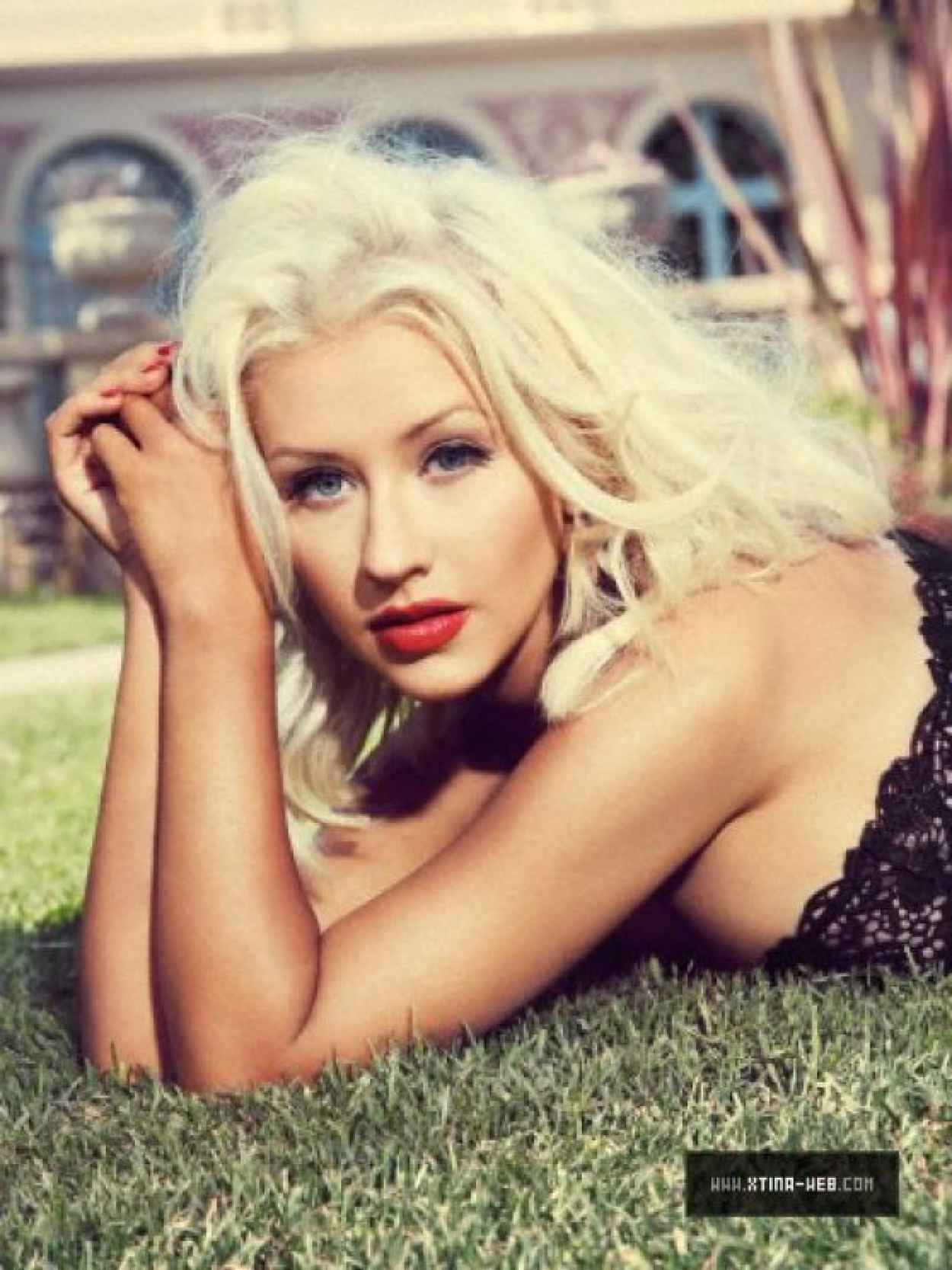 Christina Aguilera Photoshoot - Elle Brazil Outtakes - November 2015-1