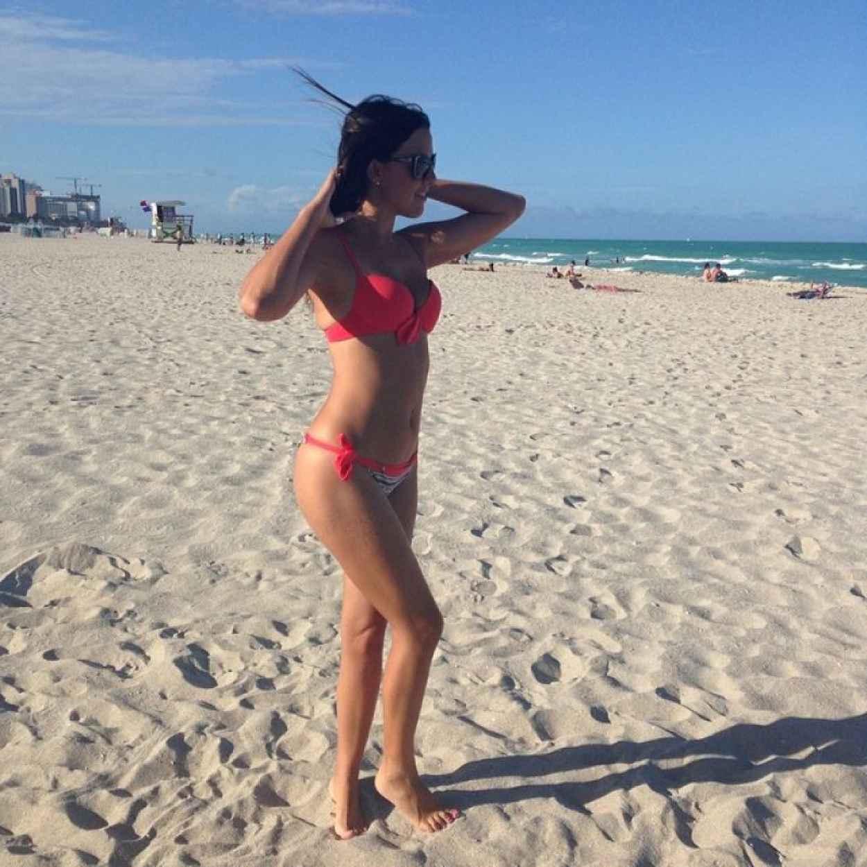 Claudia Romani in a Bikini in Miami - June 2015-2