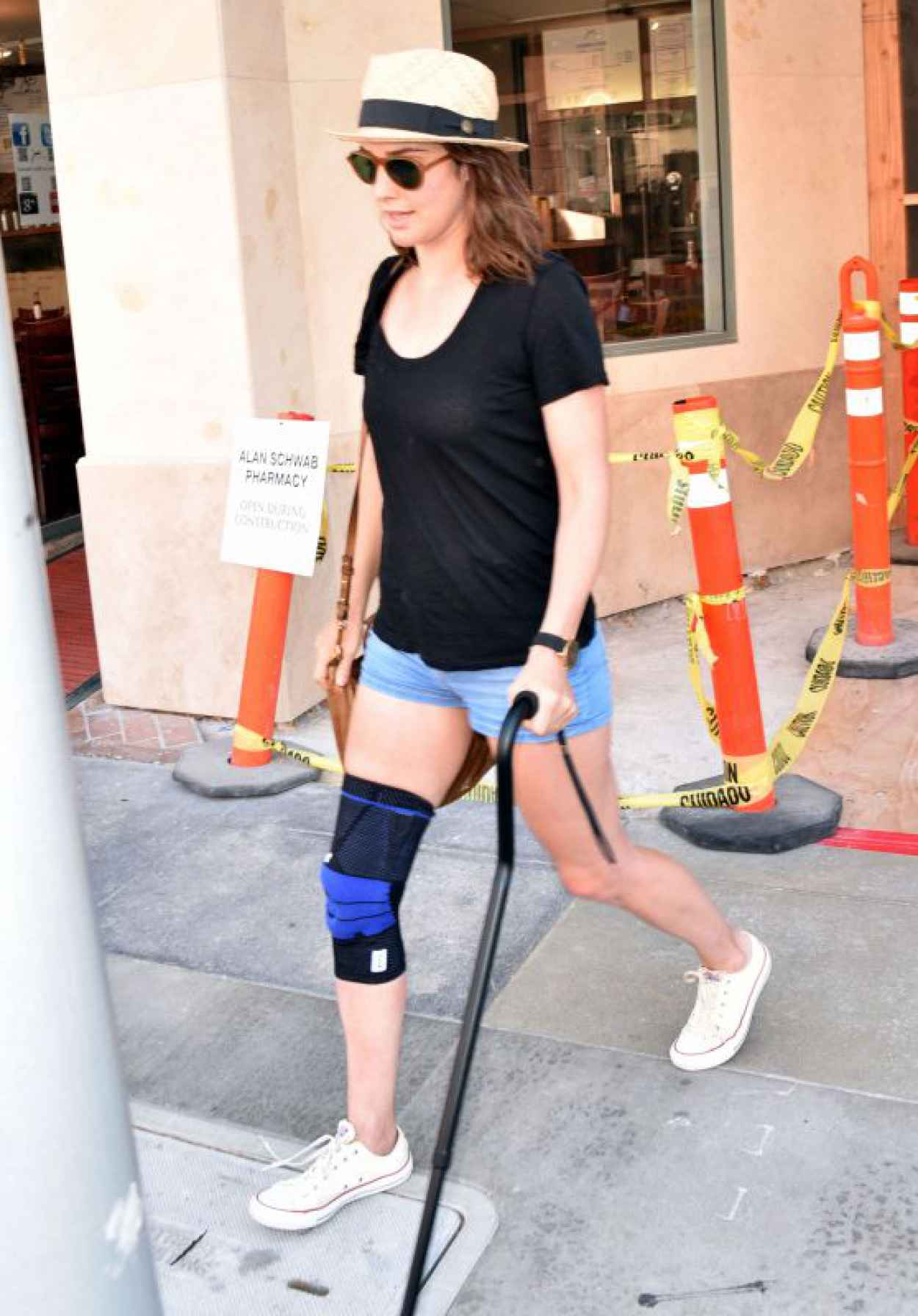 Cobie Smulders Leaving a Doctors Office in Beverly Hills, August 2015-1