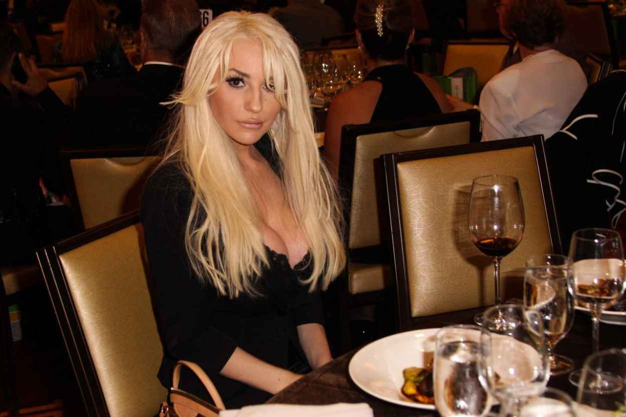 Courtney Stodden Attends LA Police Protective League Foundation - November 2015-4