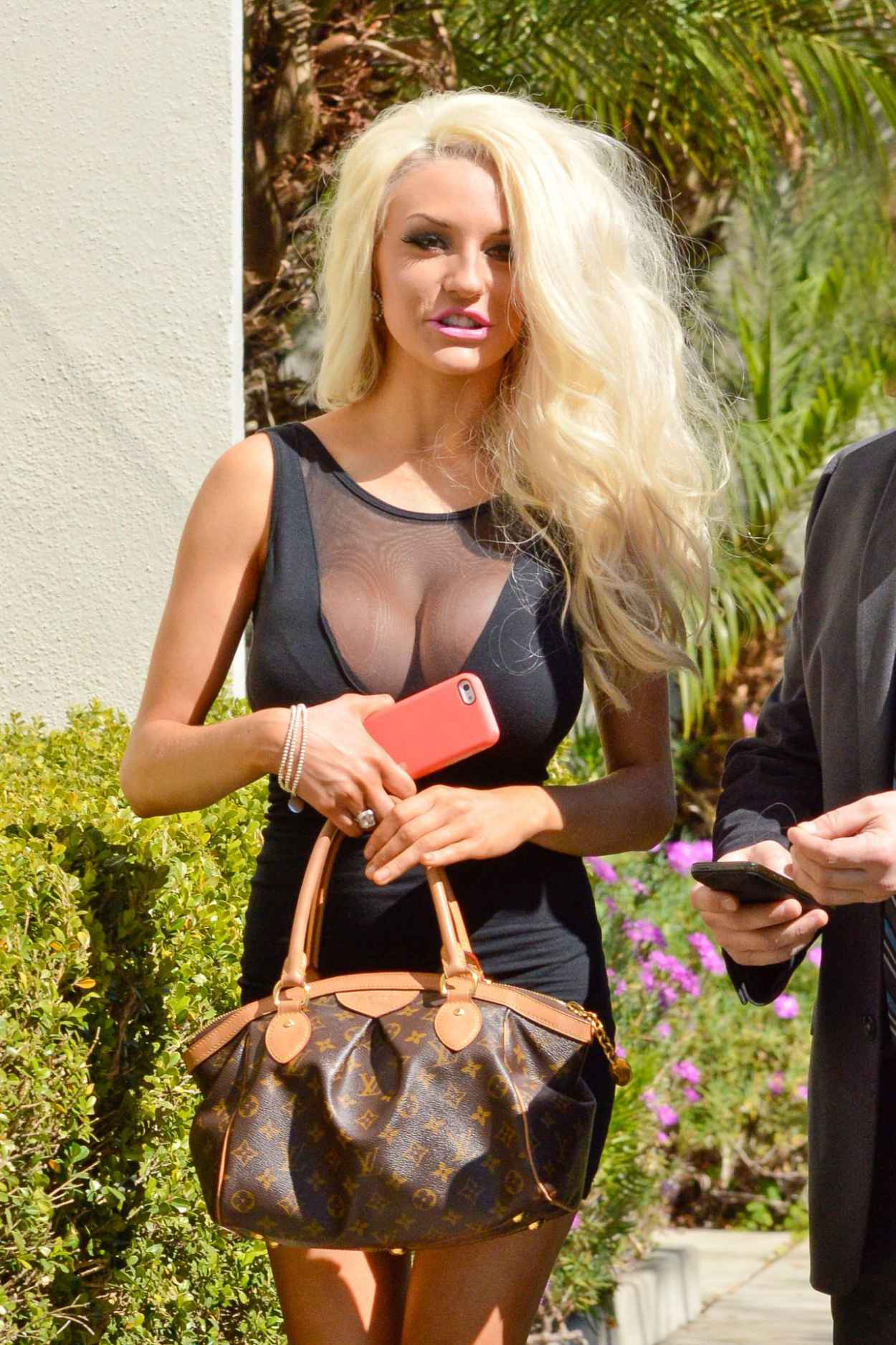 Courtney Stodden in Mini Dress - Signs Up For Celeb Charm School - March 2015-1
