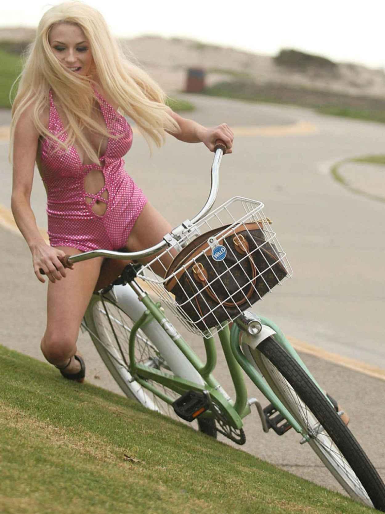 Courtney Stodden in Swimsuit - Falls off Her Bike-1