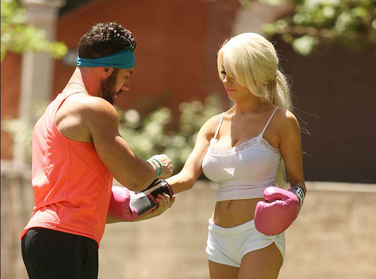 Courtney Stodden Workout at Griffith Park in Hollywood - July 2015-4