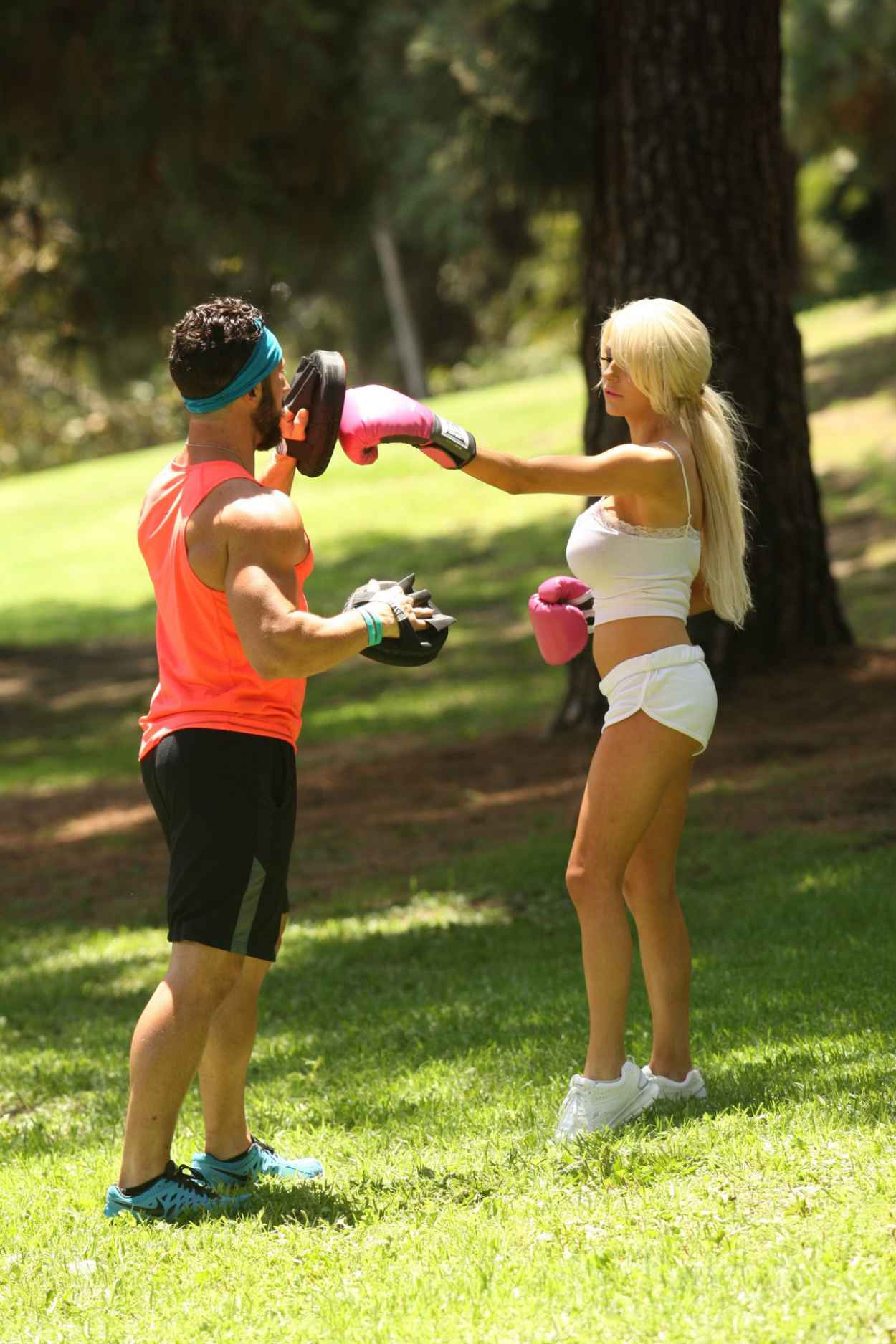 Courtney Stodden Workout at Griffith Park in Hollywood - July 2015-5