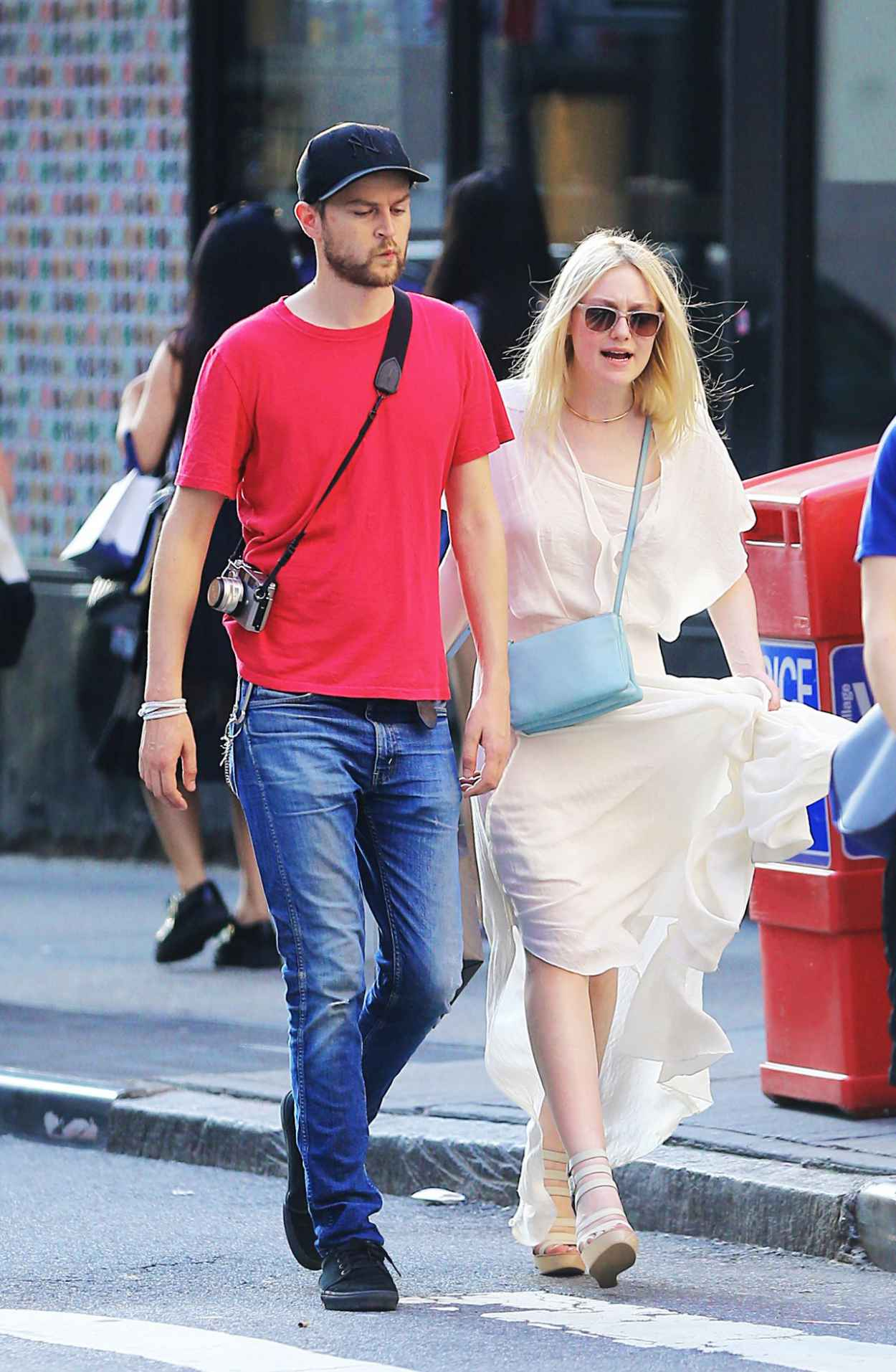 Dakota Fanning and Her Boyfriend Out in NYC - July 2015-1
