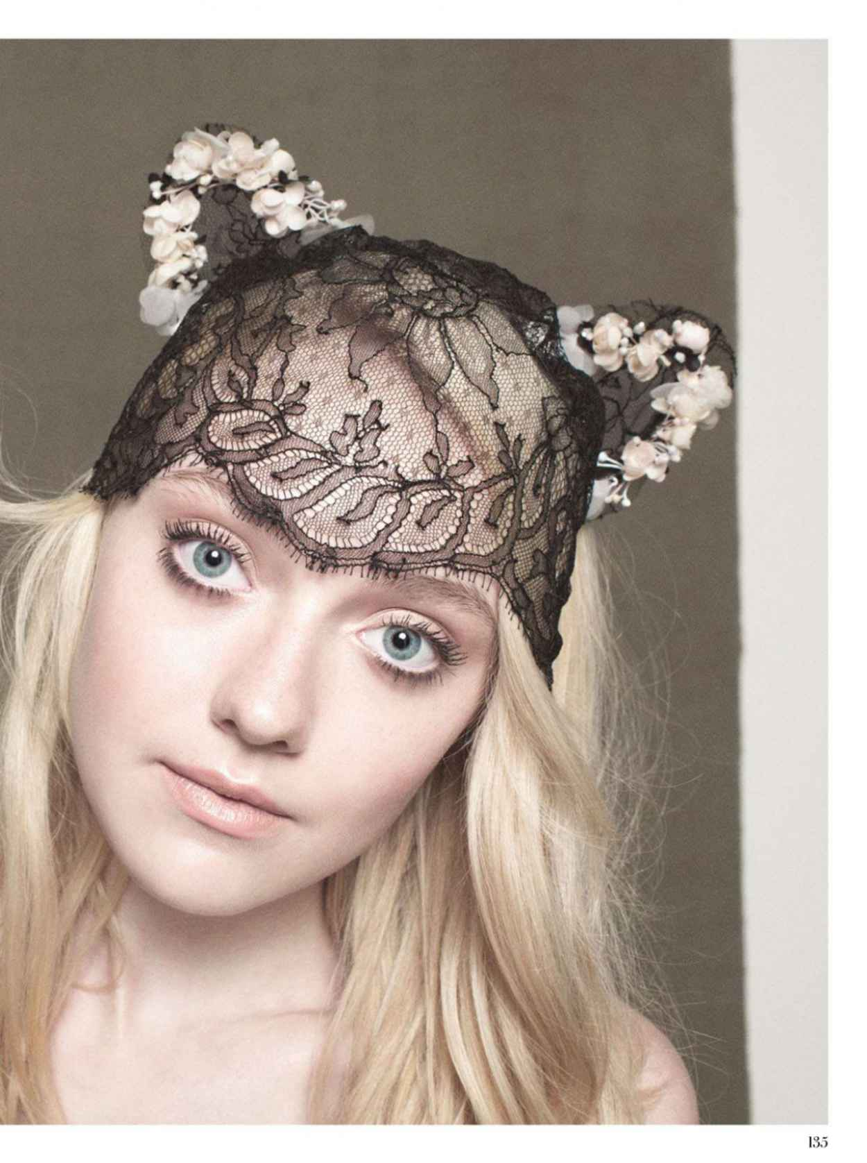 Dakota Fanning - INSTYLE Magazine (UK) - December 2012-1
