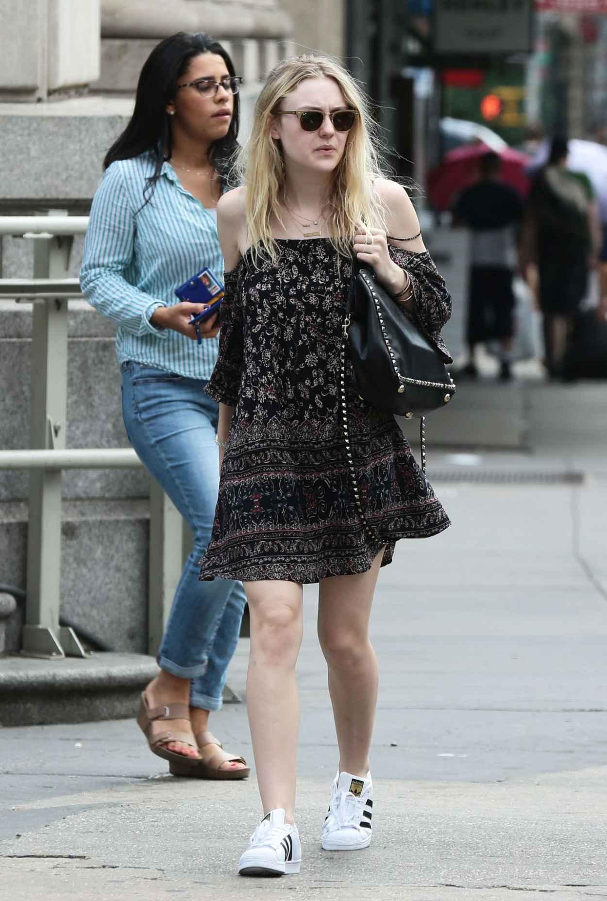 Dakota Fanning - Leaving iHop in Manhattan, July 2015-3