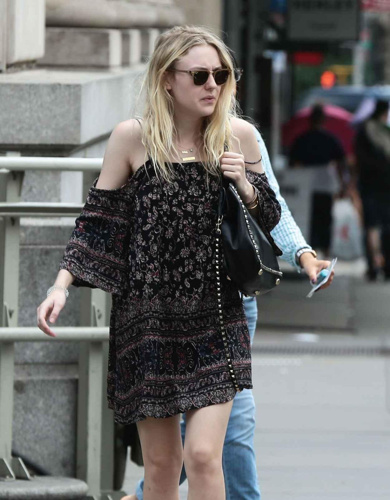 Dakota Fanning - Leaving iHop in Manhattan, July 2015-5
