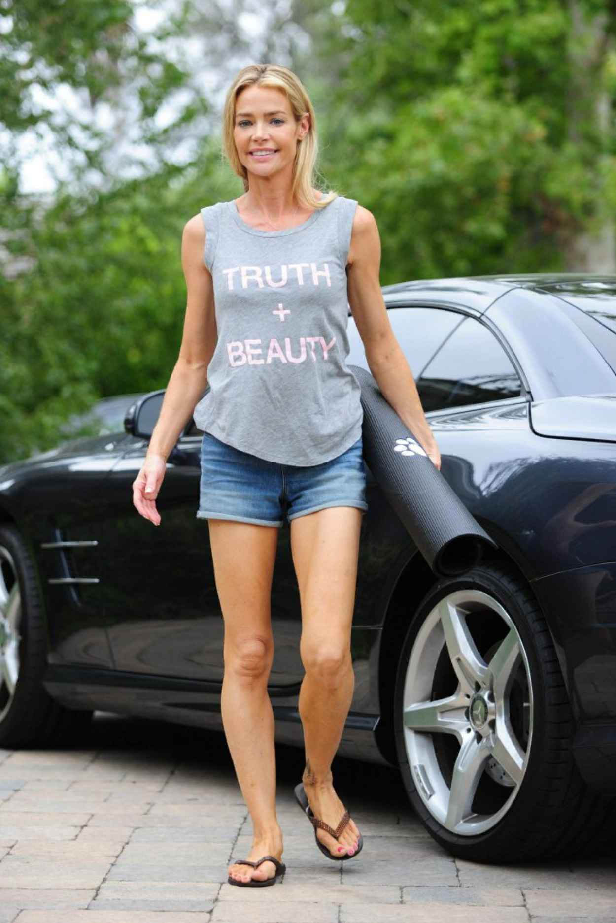 Denise Richards Leggy in Shorts at a Yoga Studio in Los Angeles, July 2015-1