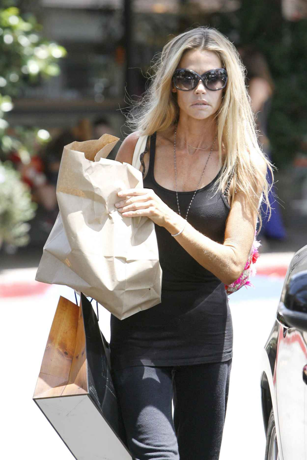 Denise Richards Street Style -Shopping in Beverly Hills - July 2015-1